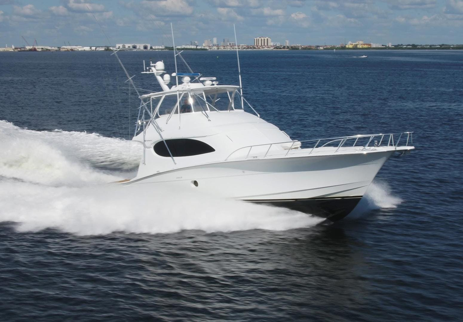 2006 Hatteras 64' Convertible ON TARGET | Picture 5 of 114