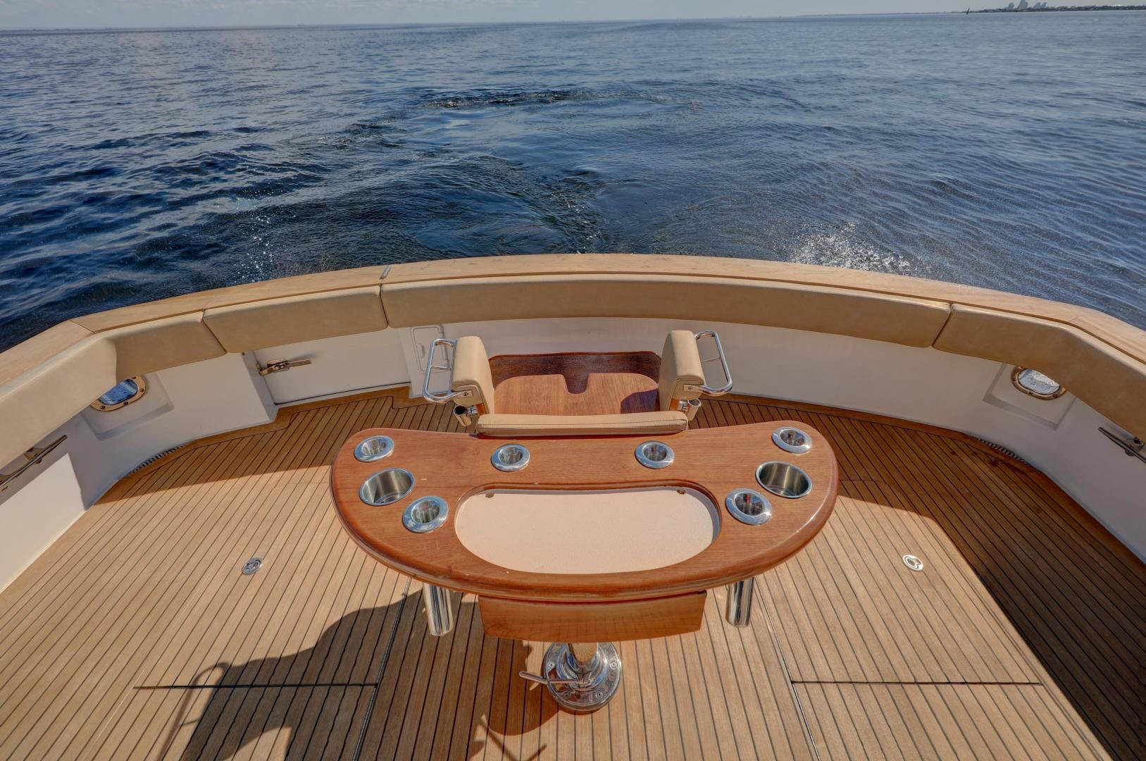 2006 Hatteras 64' Convertible ON TARGET | Picture 2 of 114