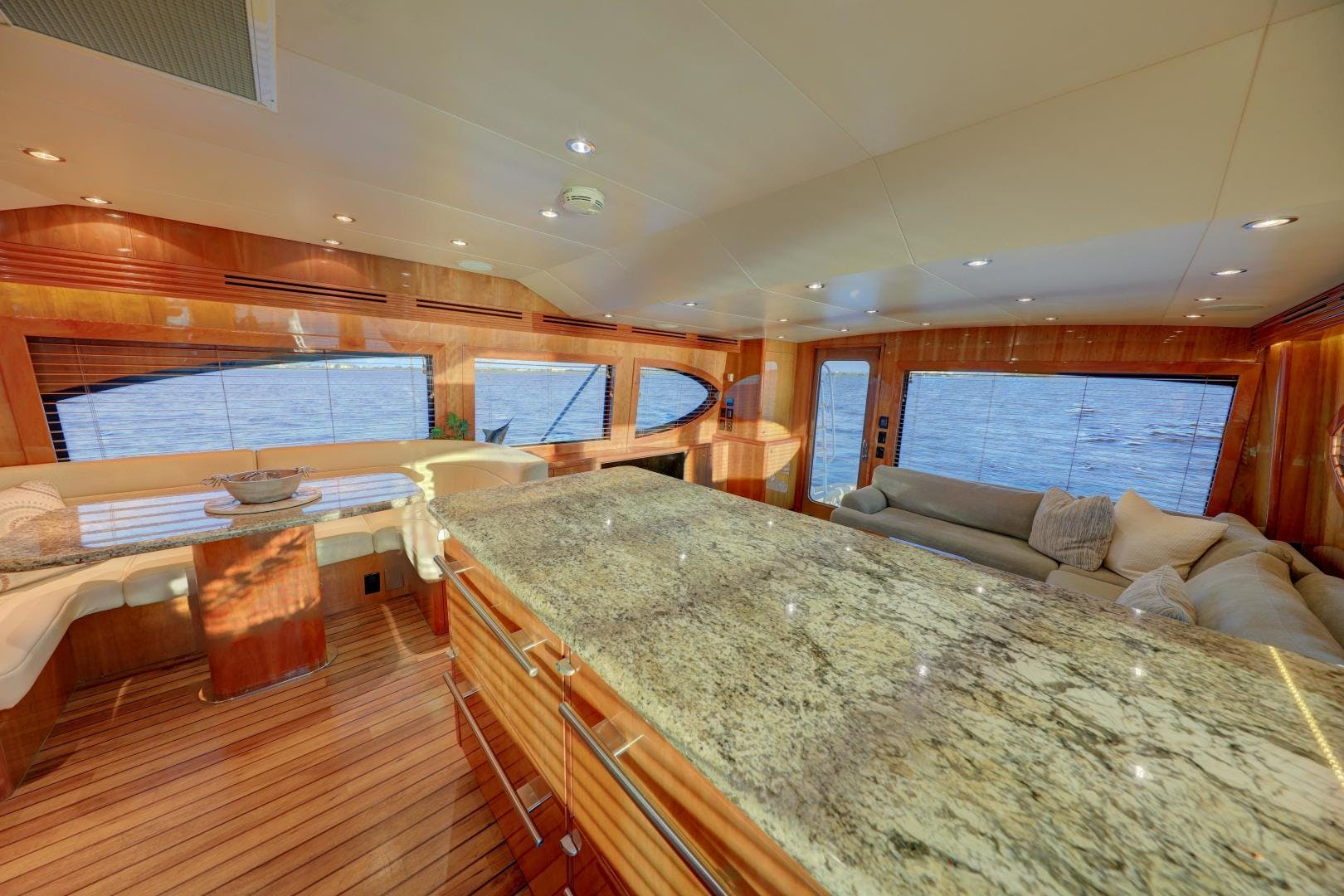2006 Hatteras 64' Convertible ON TARGET | Picture 7 of 114