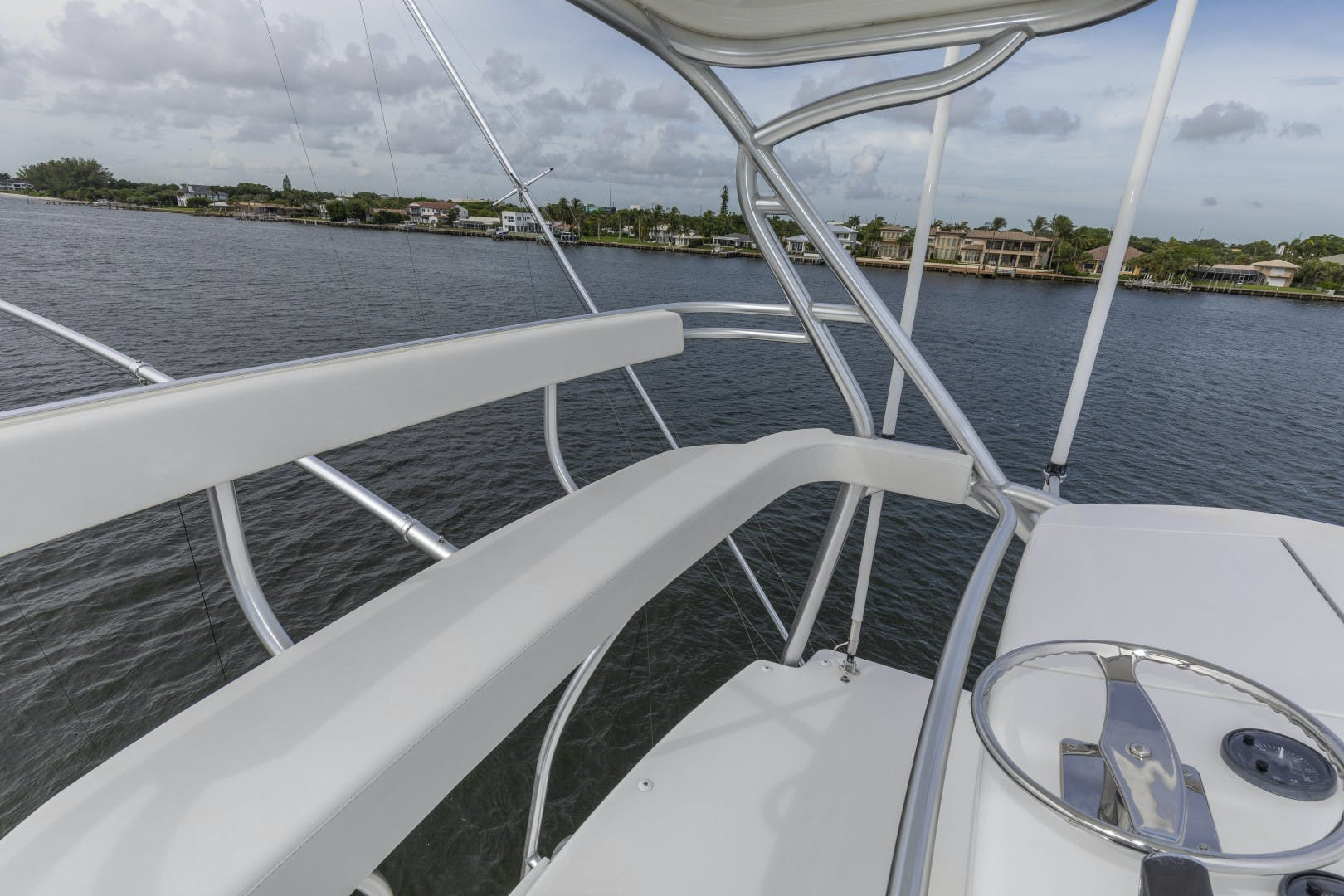 2016 Viking 92' Enclosed Bridge Sportfish Fa La Me | Picture 5 of 103
