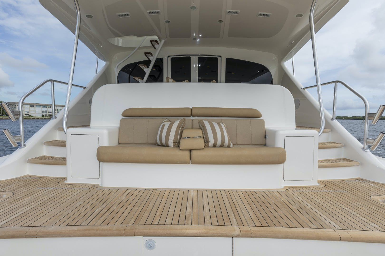 2016 Viking 92' Enclosed Bridge Sportfish Bella Dona Di | Picture 7 of 102