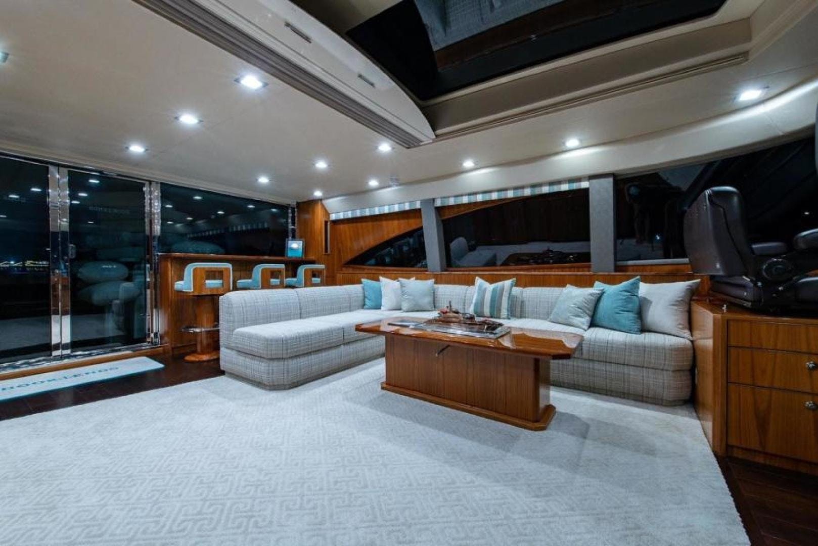 2018 Viking 93' Motoryacht Enclosed Flybridge BOOK ENDS   Picture 4 of 104