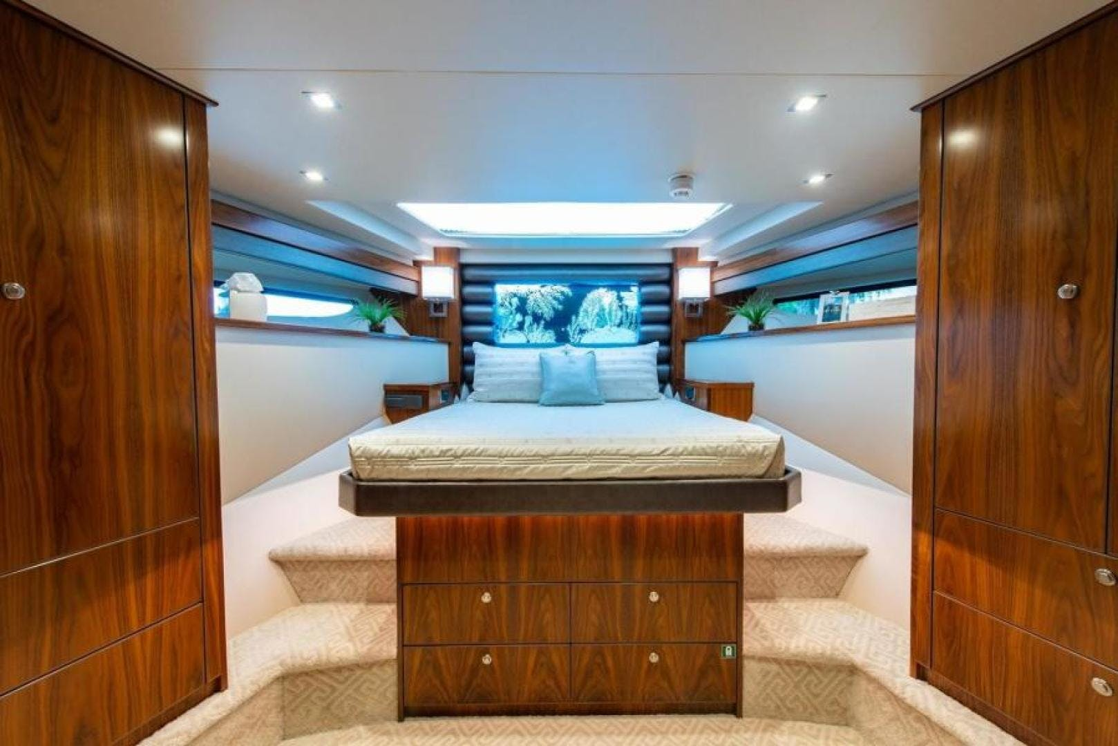 2018 Viking 93' Motoryacht Enclosed Flybridge BOOK ENDS   Picture 6 of 104
