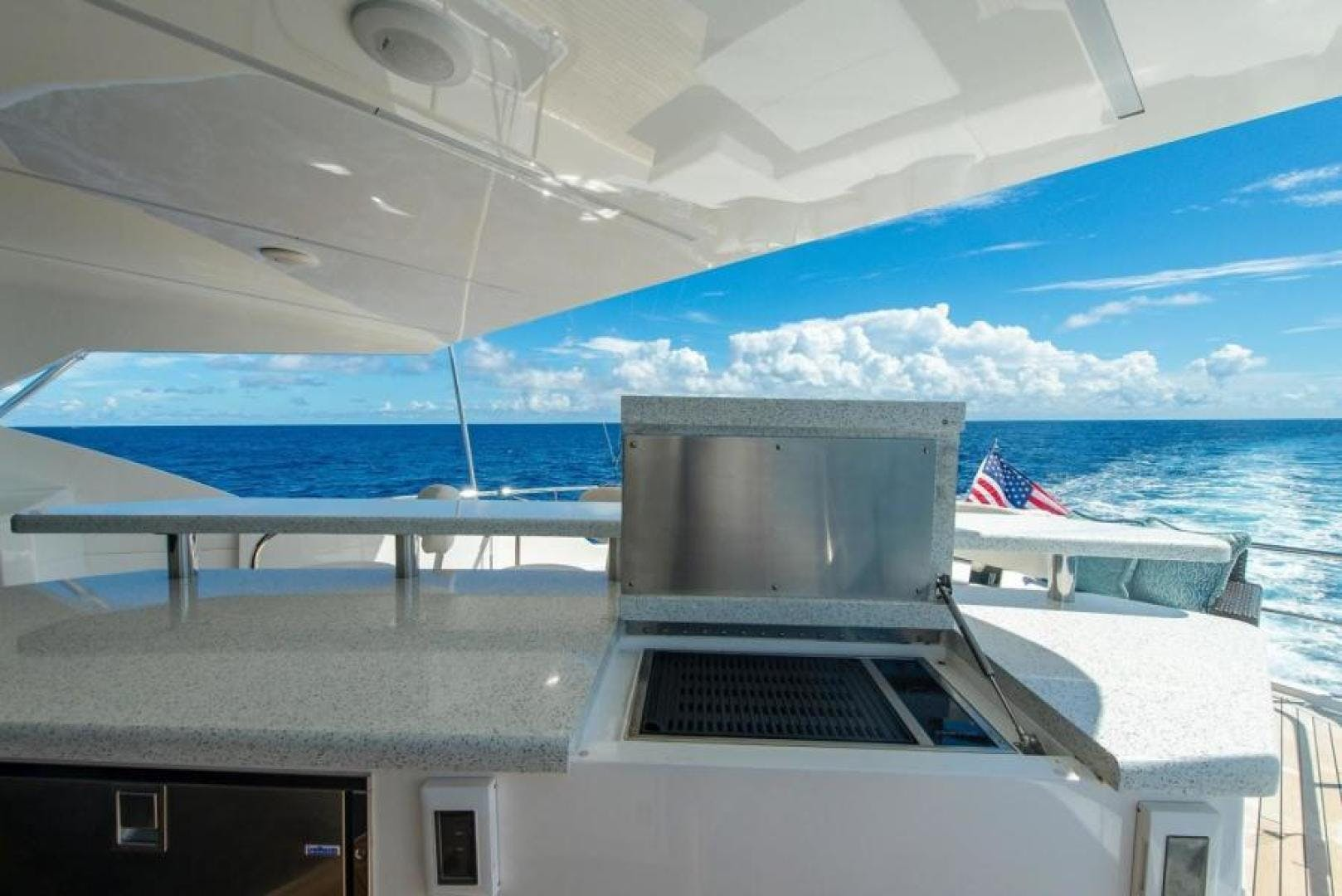 2018 Viking 93' Motoryacht Enclosed Flybridge BOOK ENDS   Picture 5 of 104