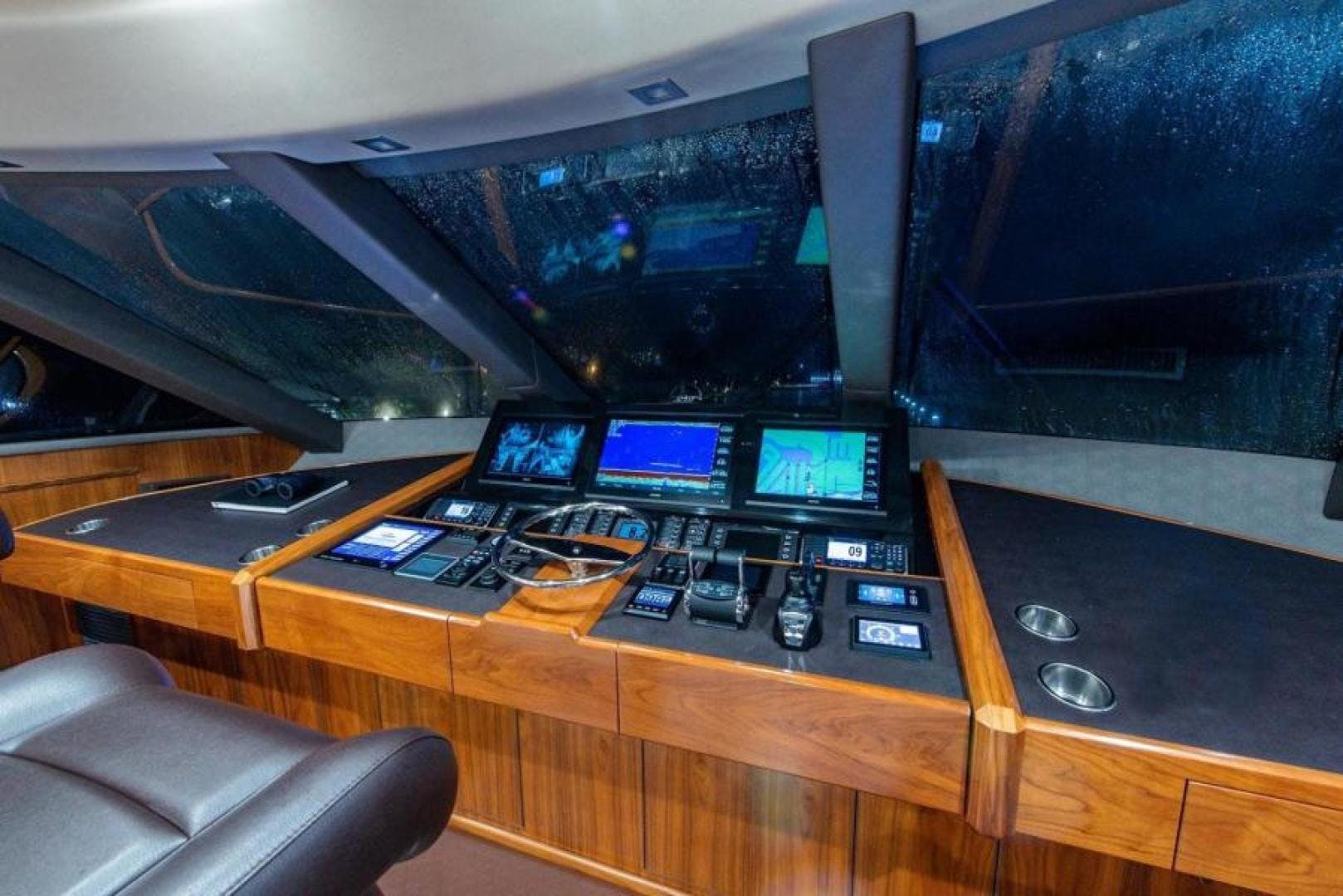 2018 Viking 93' Motoryacht Enclosed Flybridge BOOK ENDS   Picture 3 of 104