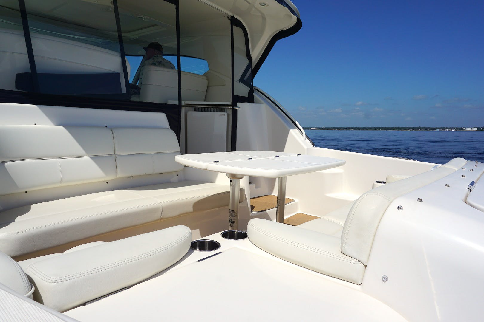 2015 Tiara Yachts 45' 45 Sovran Captain's Choice | Picture 5 of 57