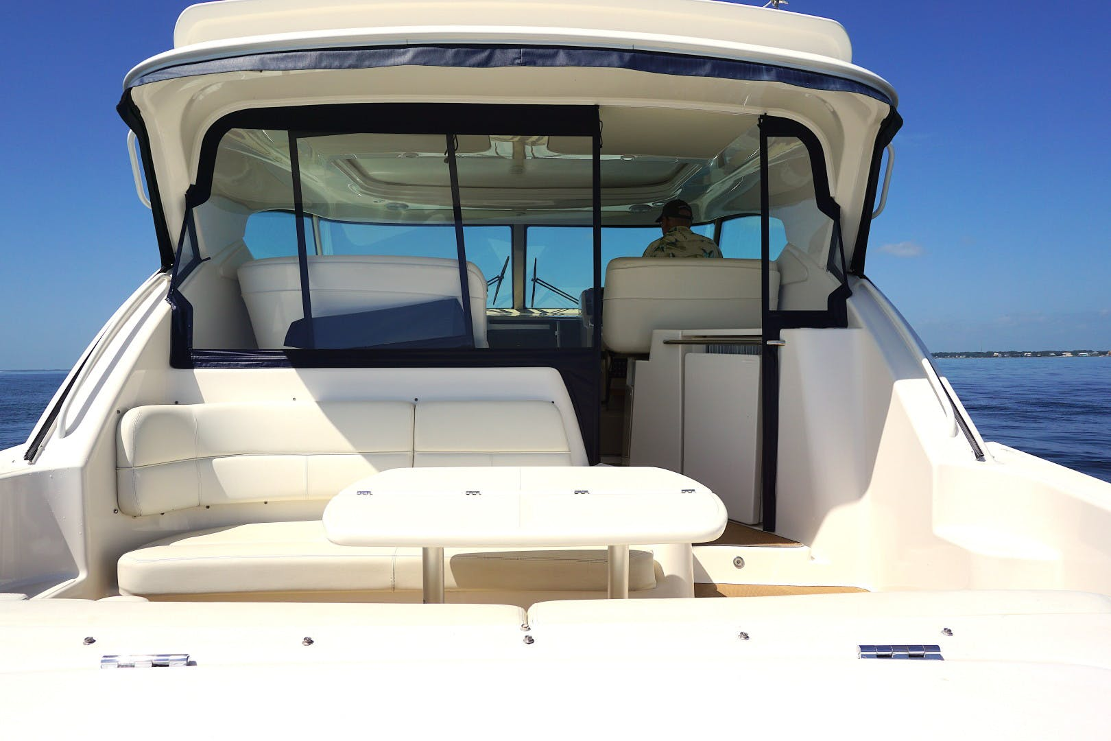 2015 Tiara Yachts 45' 45 Sovran Captain's Choice | Picture 2 of 57