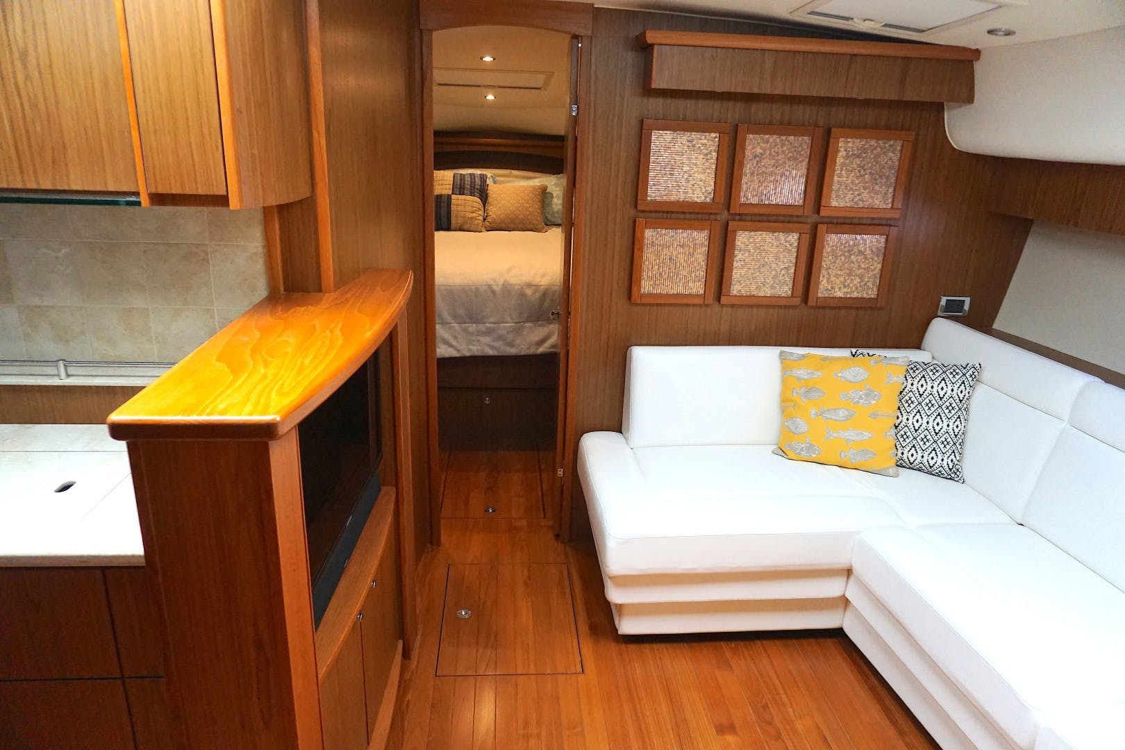 2015 Tiara Yachts 45' 45 Sovran Captain's Choice | Picture 6 of 57