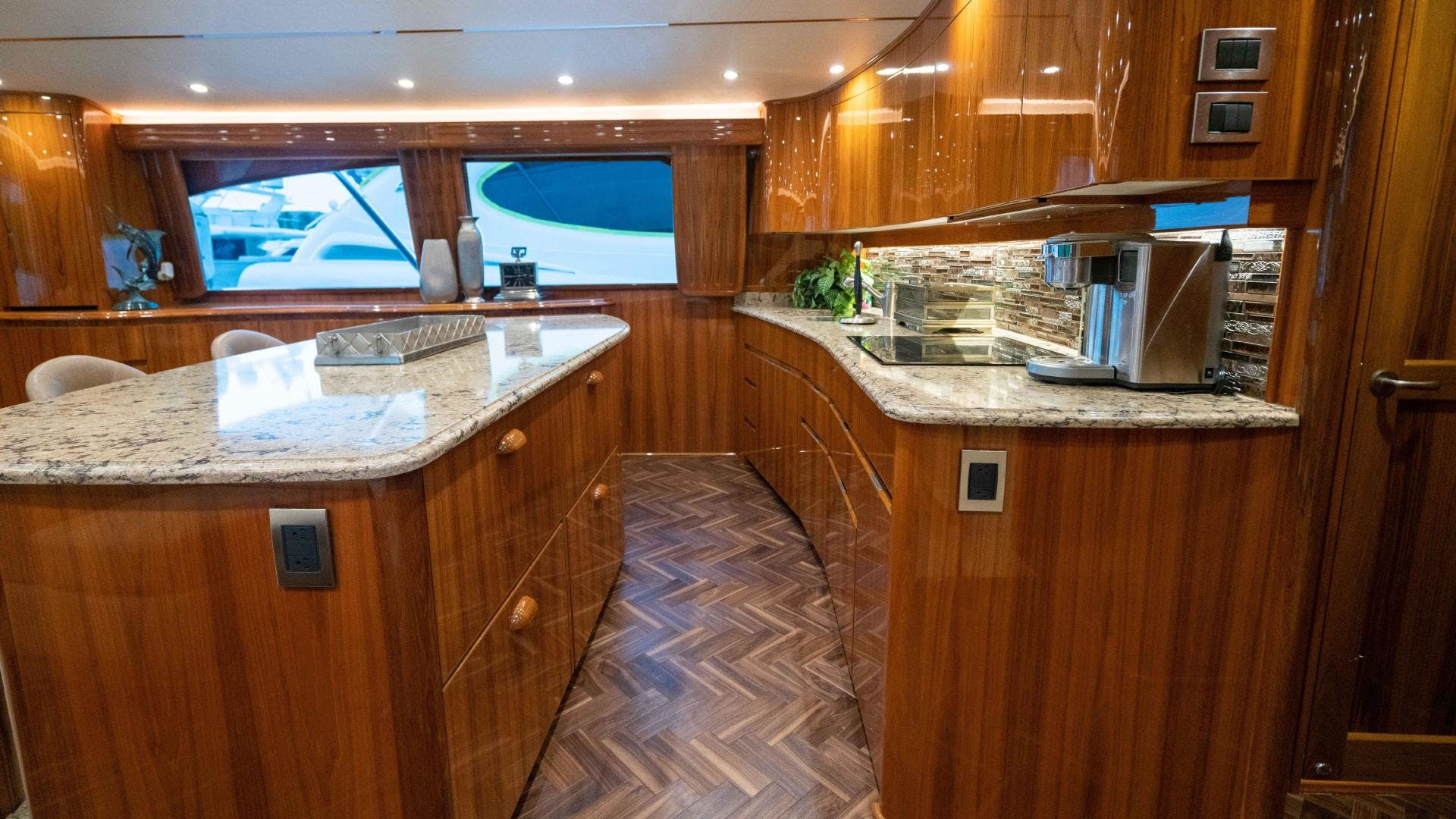 2015 Viking 70' Sport Fish PIPE DREAMER | Picture 6 of 112