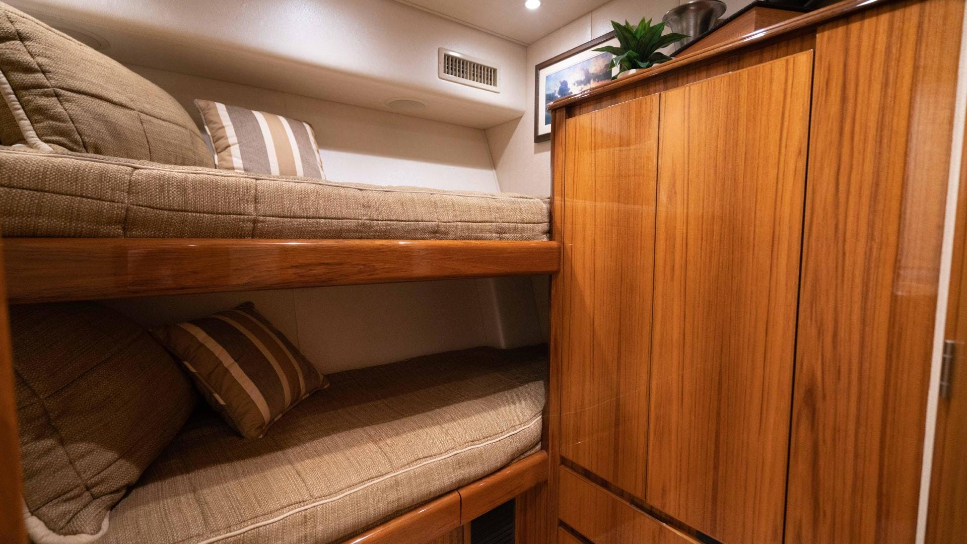 2015 Viking 70' Sport Fish PIPE DREAMER | Picture 3 of 112