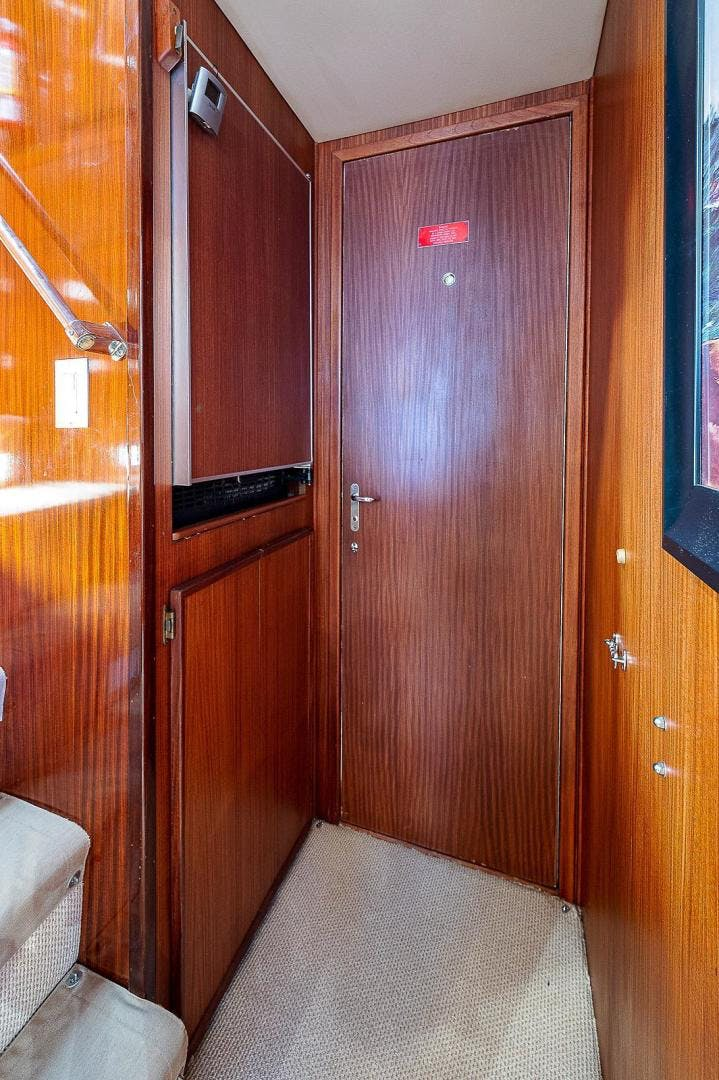1986 Hatteras 70' Long Range Cruiser Lady Lorraine | Picture 3 of 77