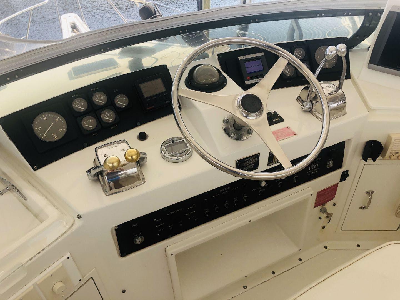 1995 Hatteras 42' Cockpit Motor Yacht EZ2NJOY   Picture 7 of 99