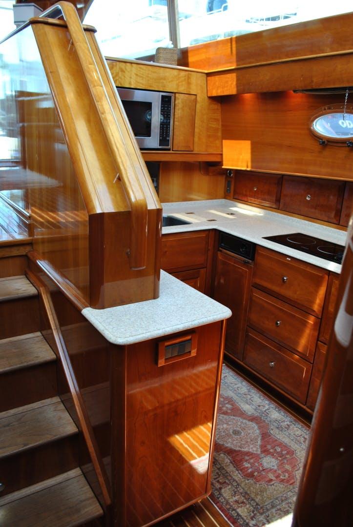2005 Hinckley 55' Talaria 55 BIG DECISION   Picture 2 of 28
