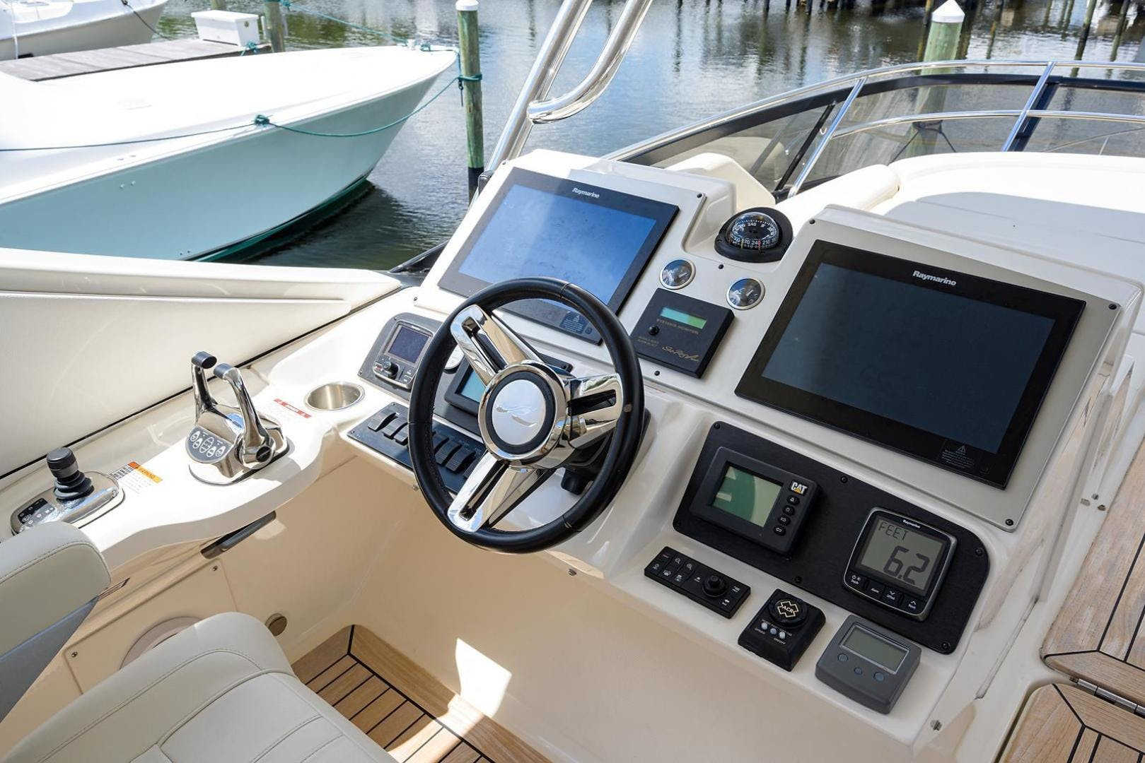 2015 Sea Ray 65' L650 Fly KNOT ON CALL | Picture 5 of 105