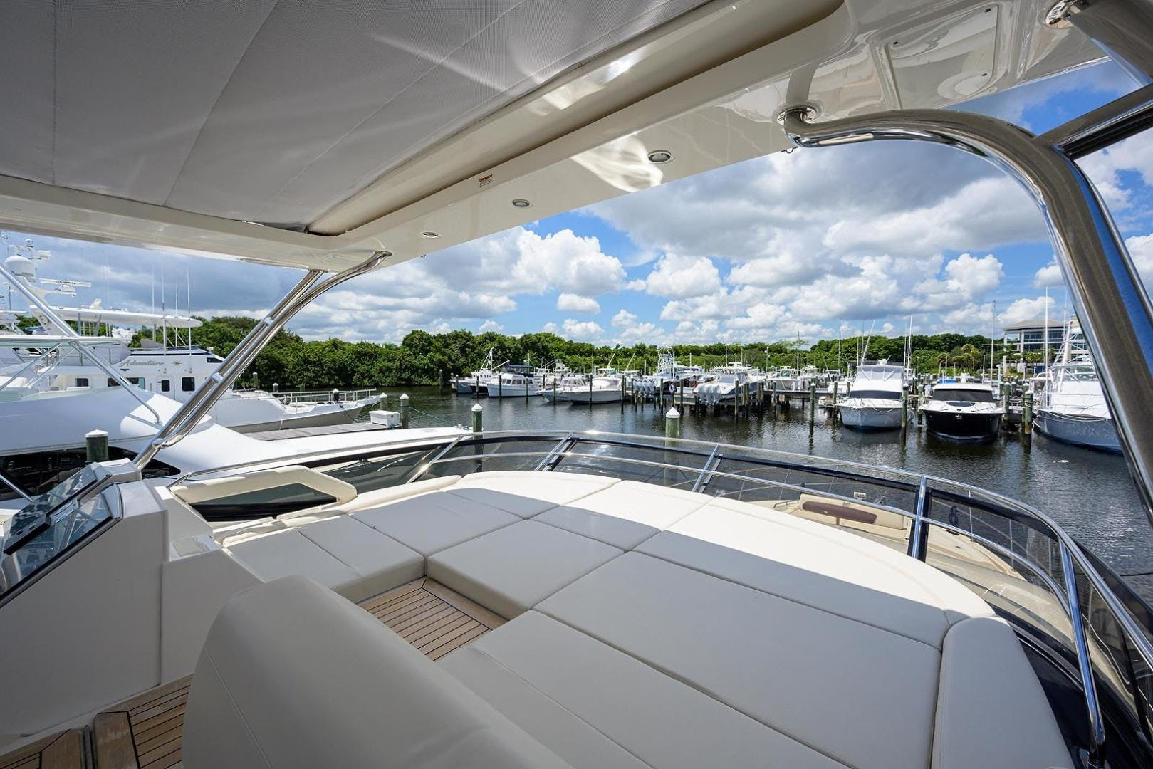 2015 Sea Ray 65' L650 Fly KNOT ON CALL | Picture 2 of 105