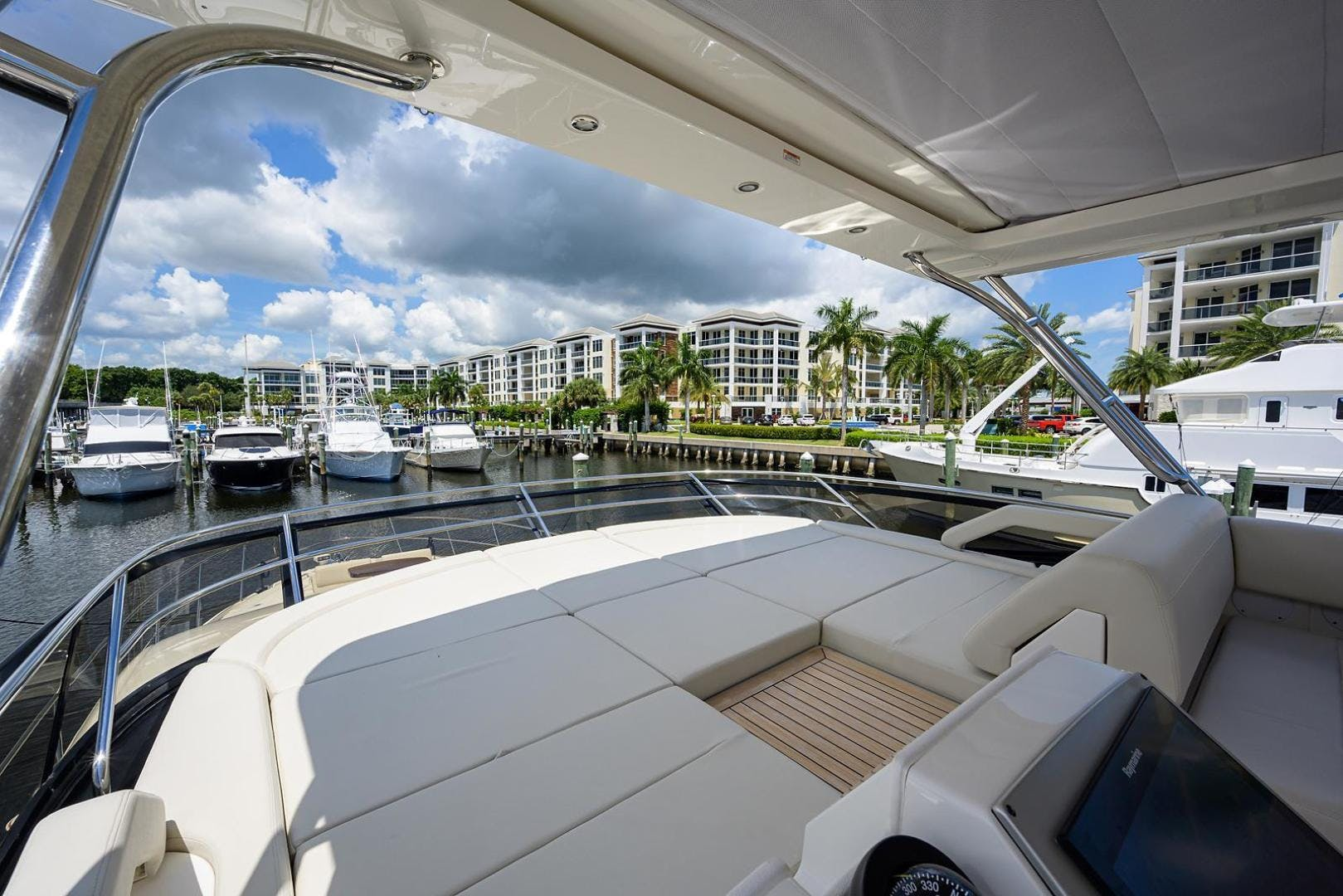 2015 Sea Ray 65' L650 Fly KNOT ON CALL | Picture 1 of 105