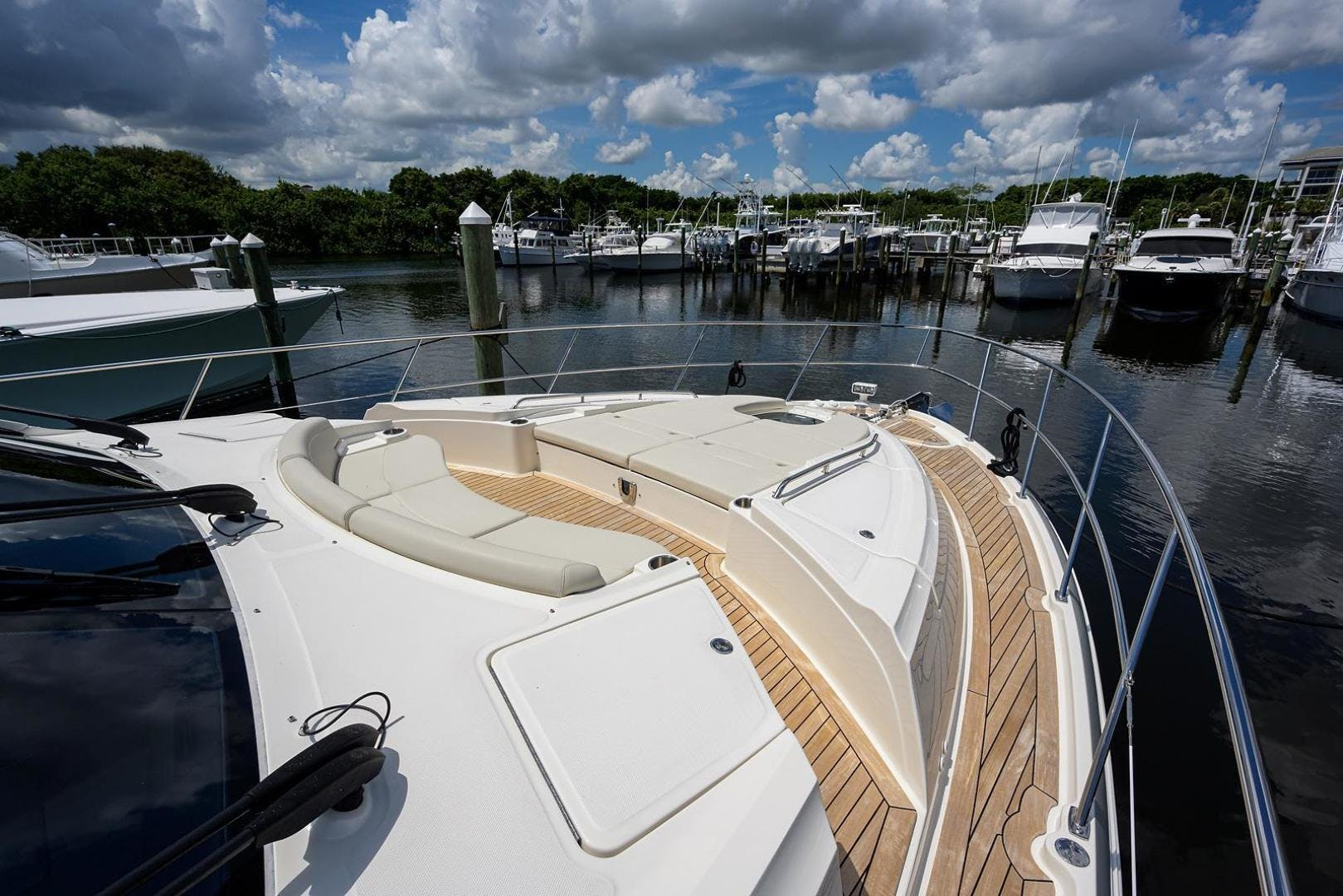 2015 Sea Ray 65' L650 Fly KNOT ON CALL | Picture 8 of 105