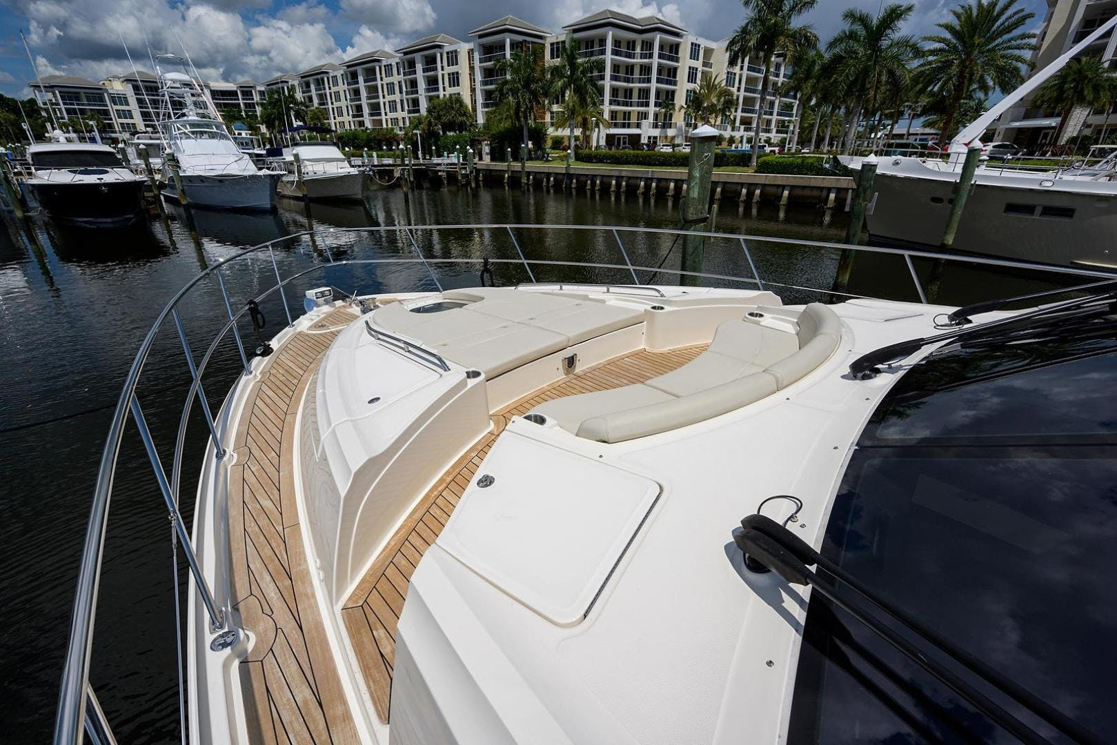 2015 Sea Ray 65' L650 Fly KNOT ON CALL | Picture 6 of 105