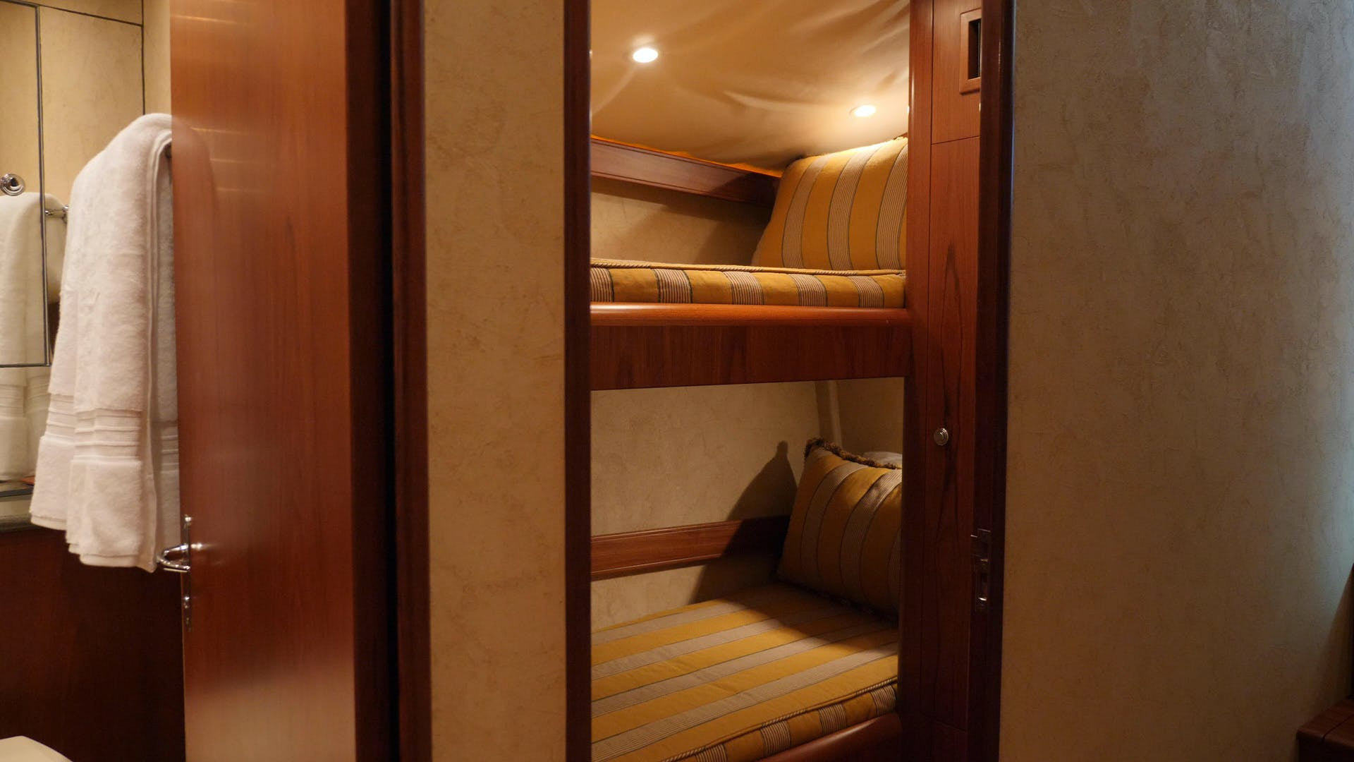 2004 Rybovich 55' Convertible Blue Mile | Picture 6 of 43