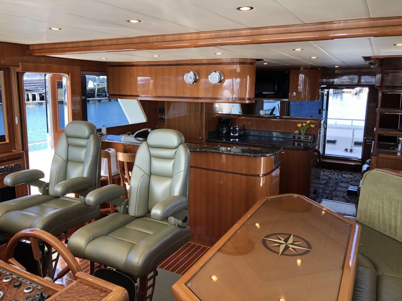 2013 Hampton 65' Endurance 650 Redoubt | Picture 3 of 38