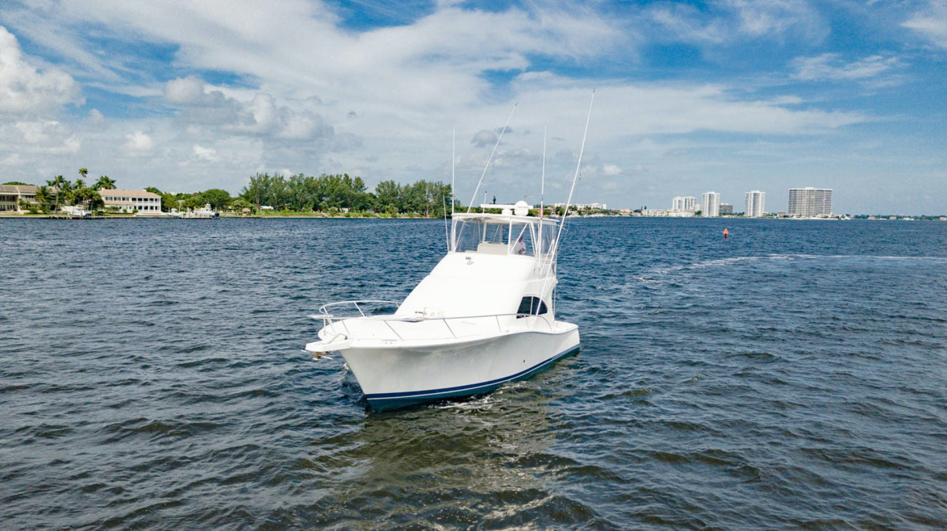 2007 Luhrs 41' Convertible Daddy Perks | Picture 8 of 34