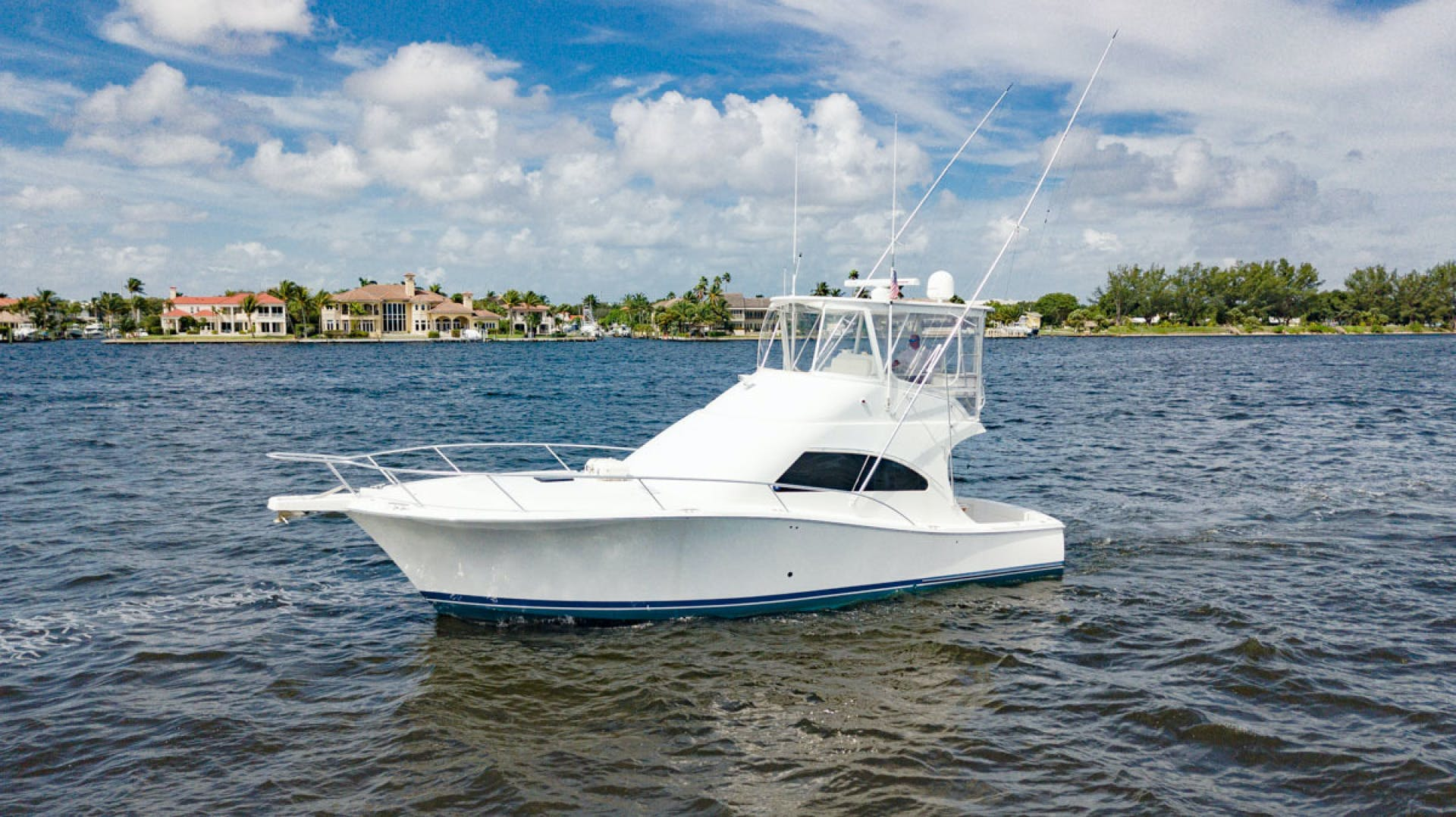 2007 Luhrs 41' Convertible Daddy Perks | Picture 7 of 34