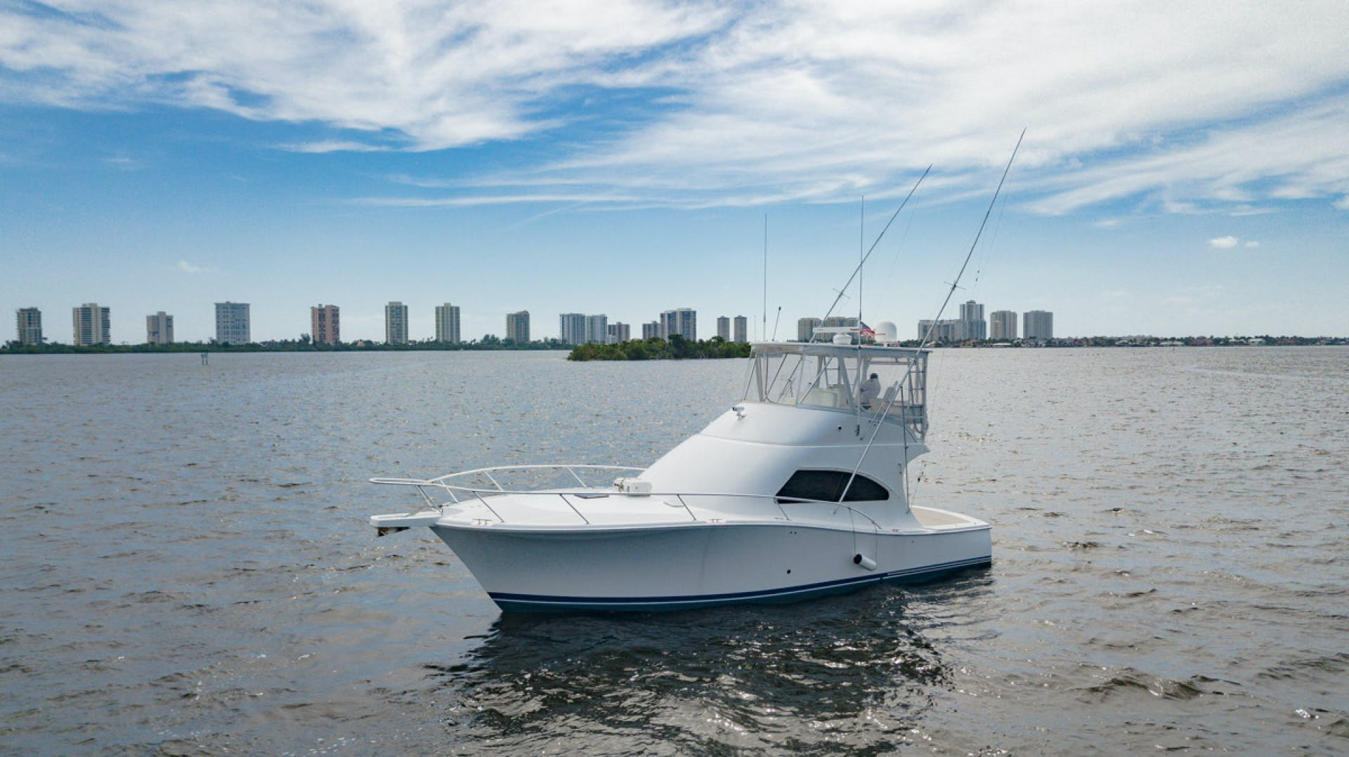 2007 Luhrs 41' Convertible Daddy Perks | Picture 5 of 34