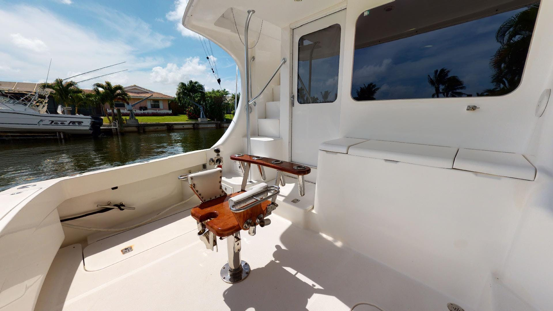 2007 Luhrs 41' Convertible Daddy Perks | Picture 4 of 34