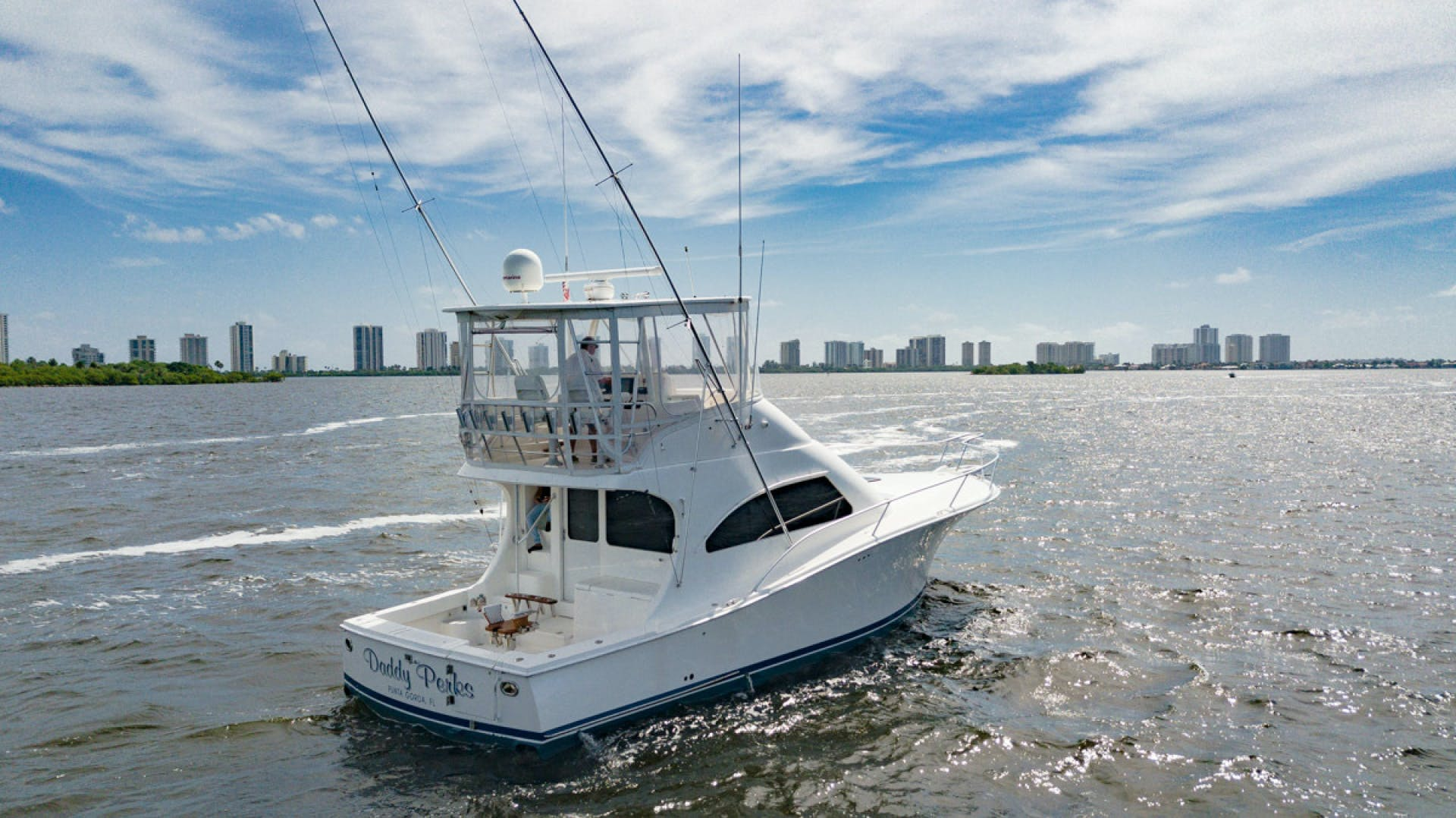 2007 Luhrs 41' Convertible Daddy Perks | Picture 2 of 34