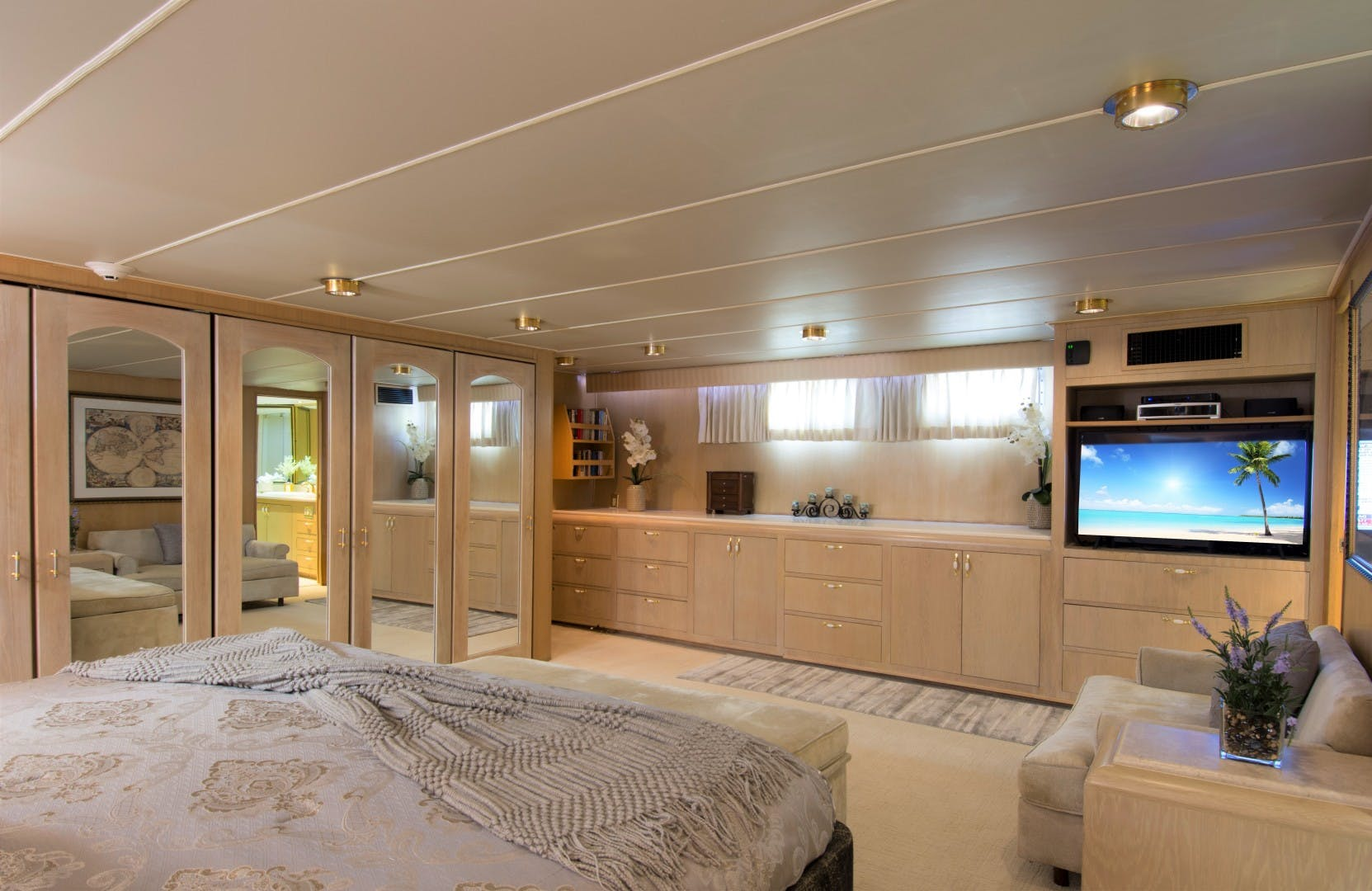 1983 Broward 110' Motor Yacht 110 Pilothouse KALEEN | Picture 5 of 25