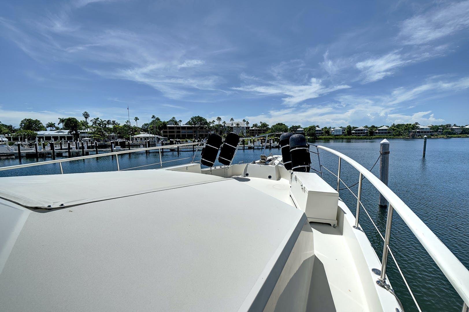 1988 Hatteras 70' 70 Motor Yacht TL Sea | Picture 2 of 53