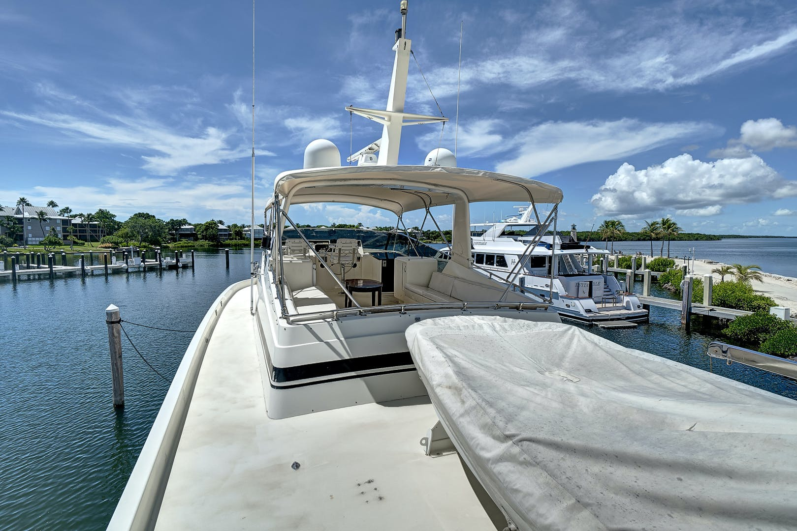 1988 Hatteras 70' 70 Motor Yacht TL Sea | Picture 6 of 53