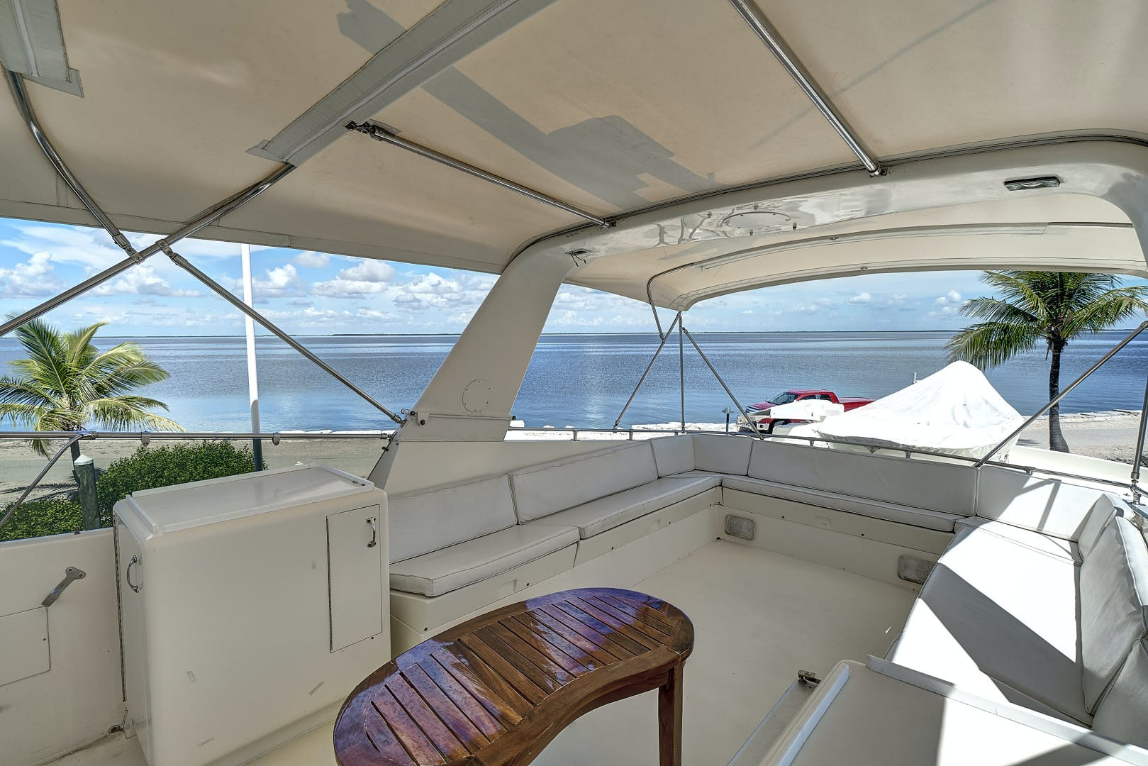 1988 Hatteras 70' 70 Motor Yacht TL Sea | Picture 3 of 53