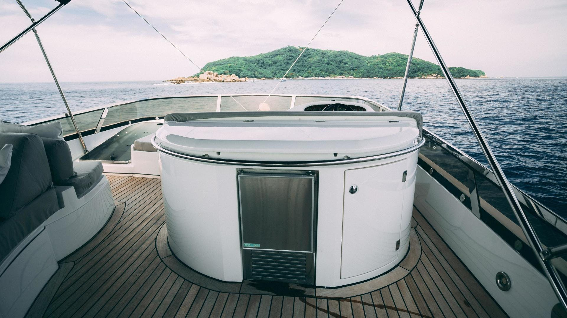 2004 Sunseeker 75' Motor Yacht Lucky   Picture 6 of 93