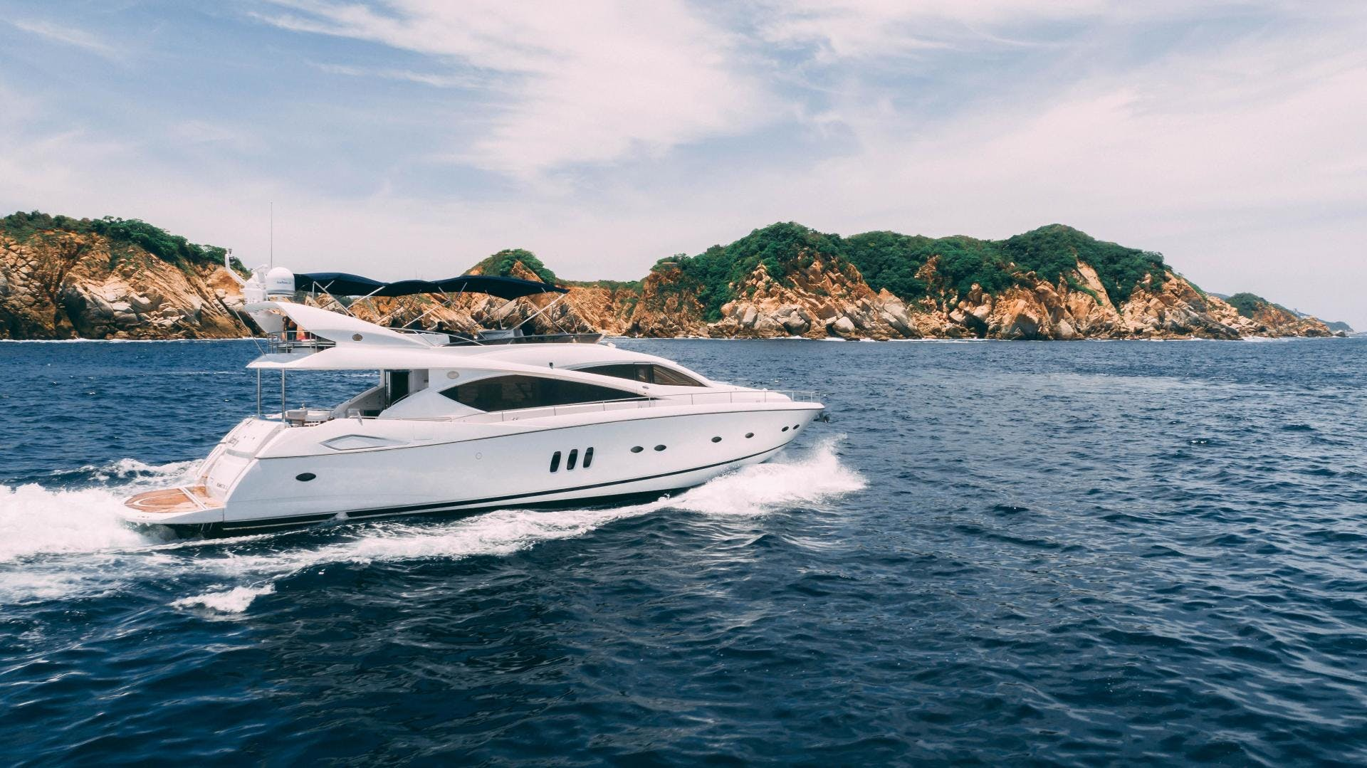 2004 Sunseeker 75' Motor Yacht Lucky | Picture 6 of 93