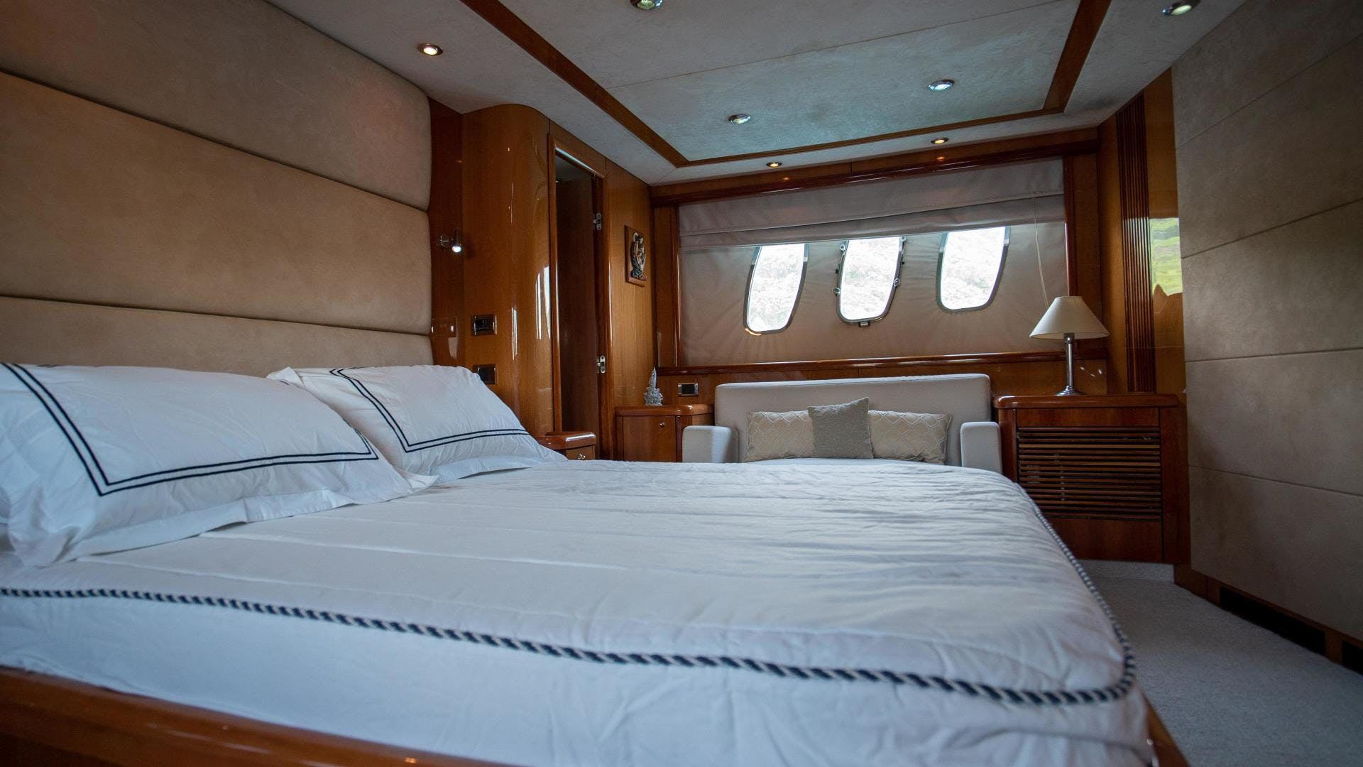 2004 Sunseeker 75' Motor Yacht Lucky   Picture 8 of 93