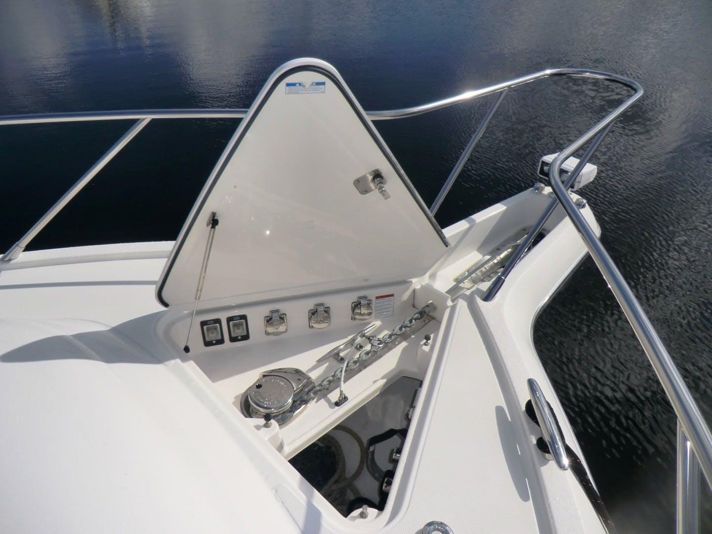 2009 Tiara Yachts 58' 5800 Sovran Galati Yacht Sales Trade | Picture 6 of 49