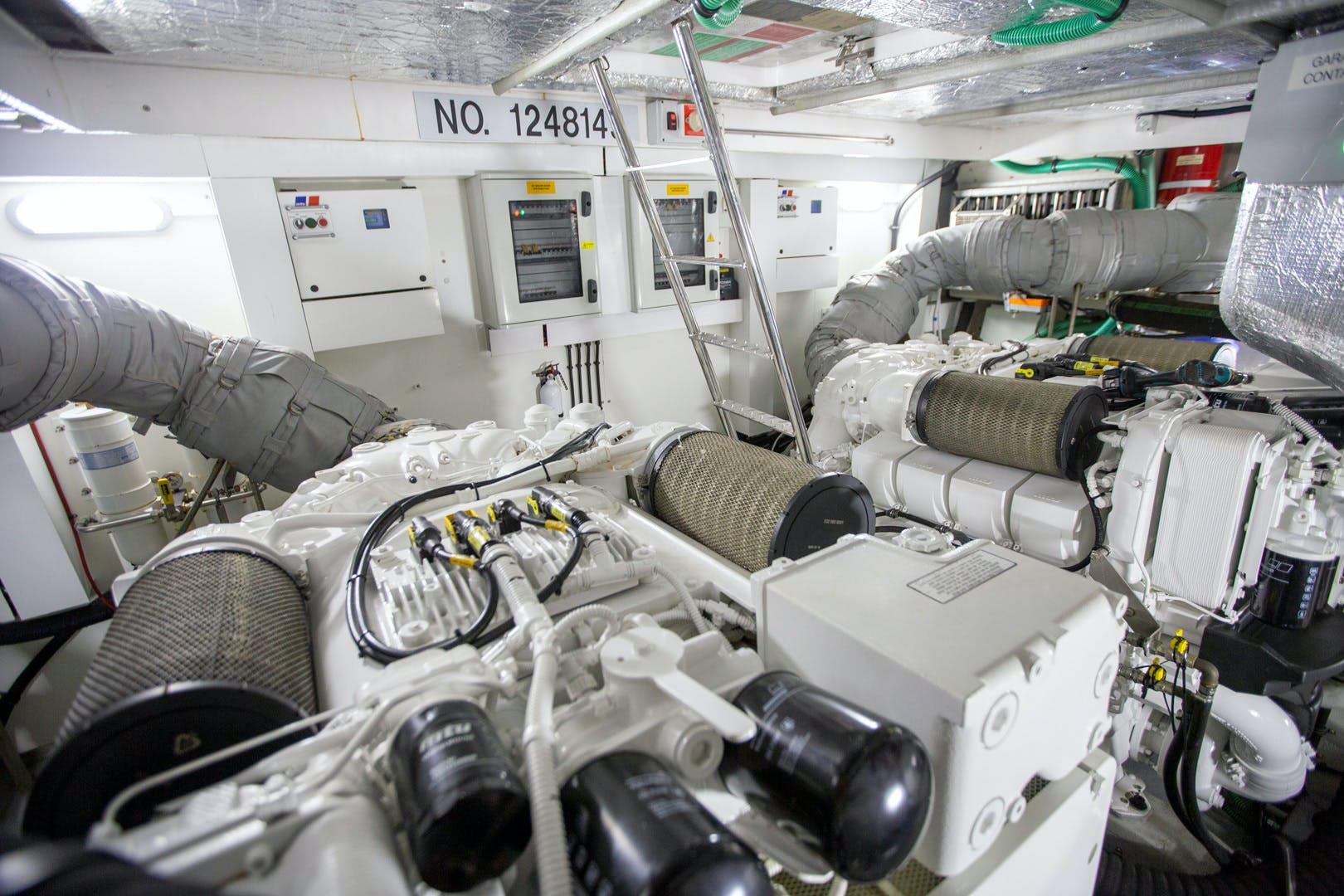 2014 Sunseeker 68' Predator Sea Green III | Picture 8 of 64