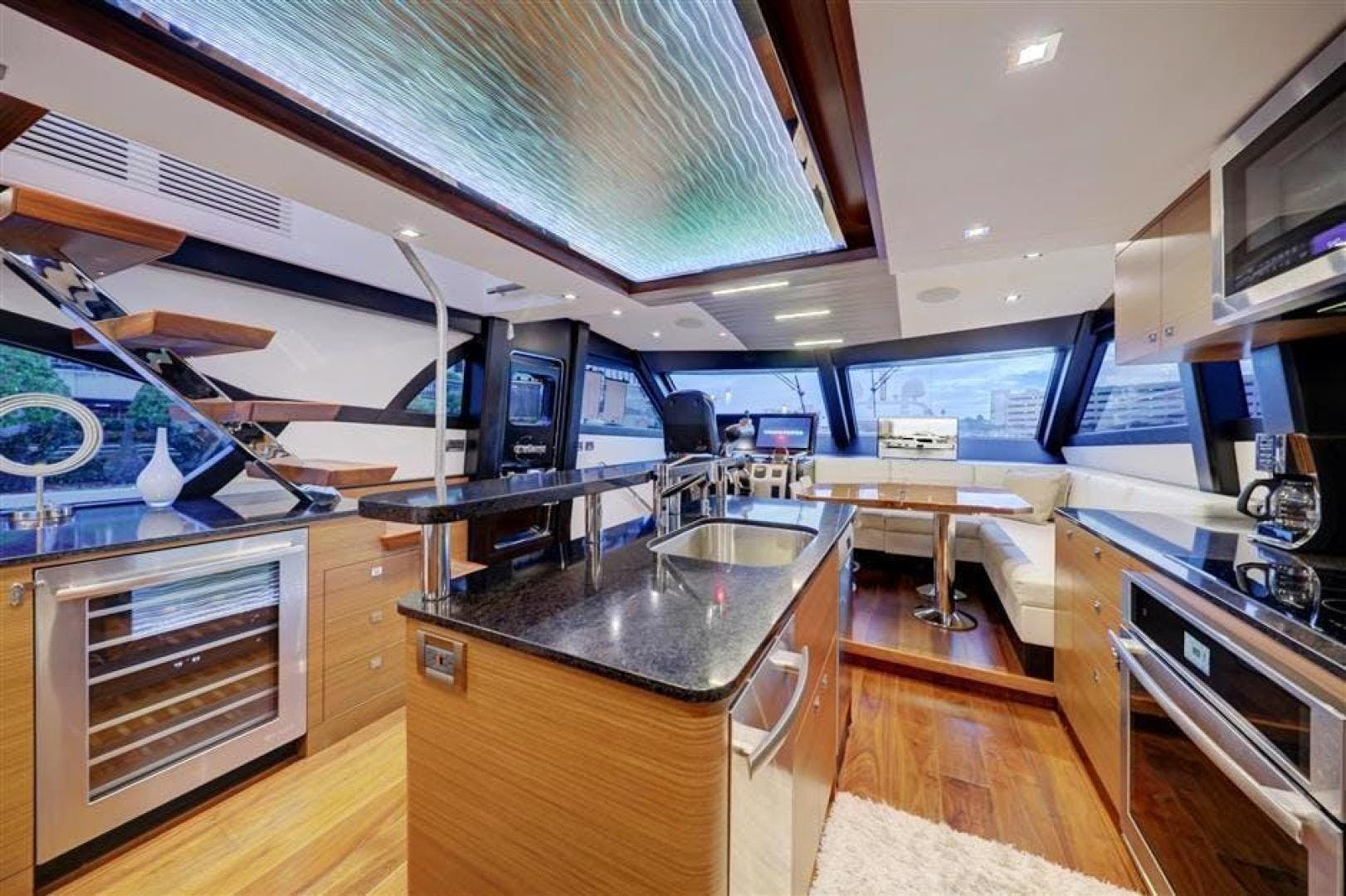 2018 Ocean Alexander 70' 70e WELL DONE   Picture 3 of 50