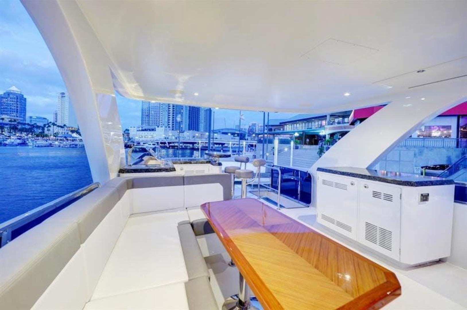 2018 Ocean Alexander 70' 70e WELL DONE   Picture 6 of 50