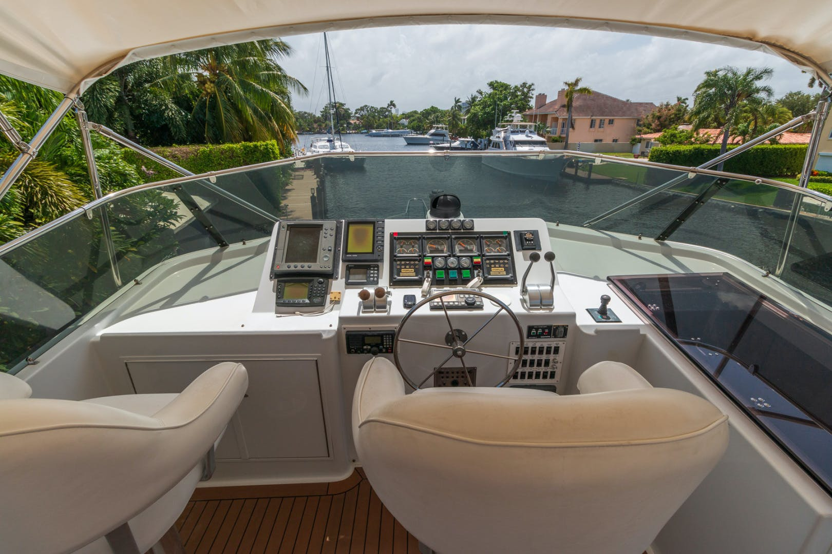 1998 Hatteras 74' Sport Deck No Name | Picture 6 of 72