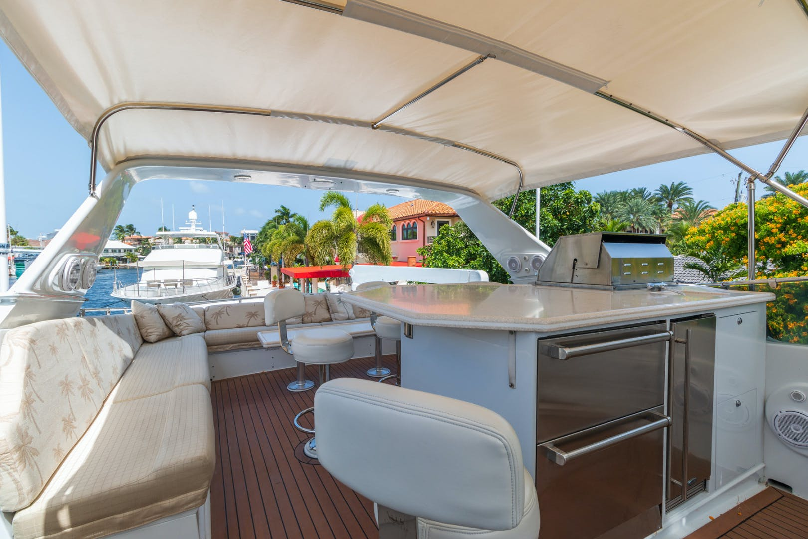 1998 Hatteras 74' Sport Deck No Name | Picture 7 of 72