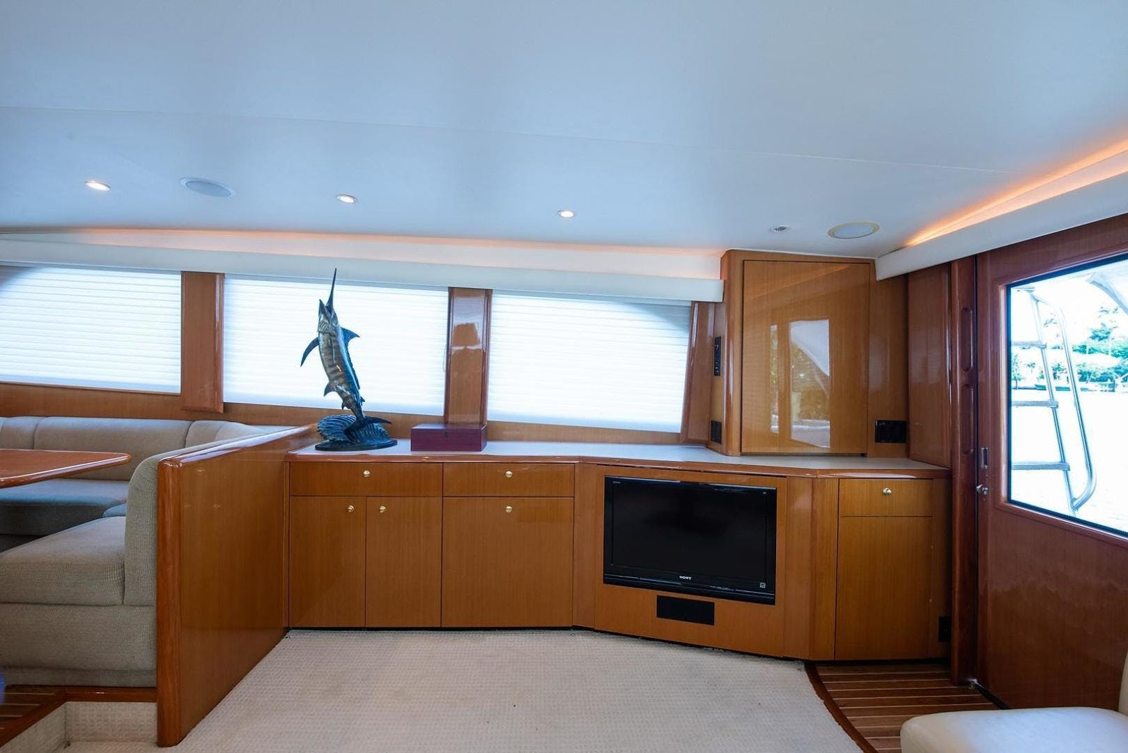 2001 Viking 65'  CHIEF | Picture 8 of 68