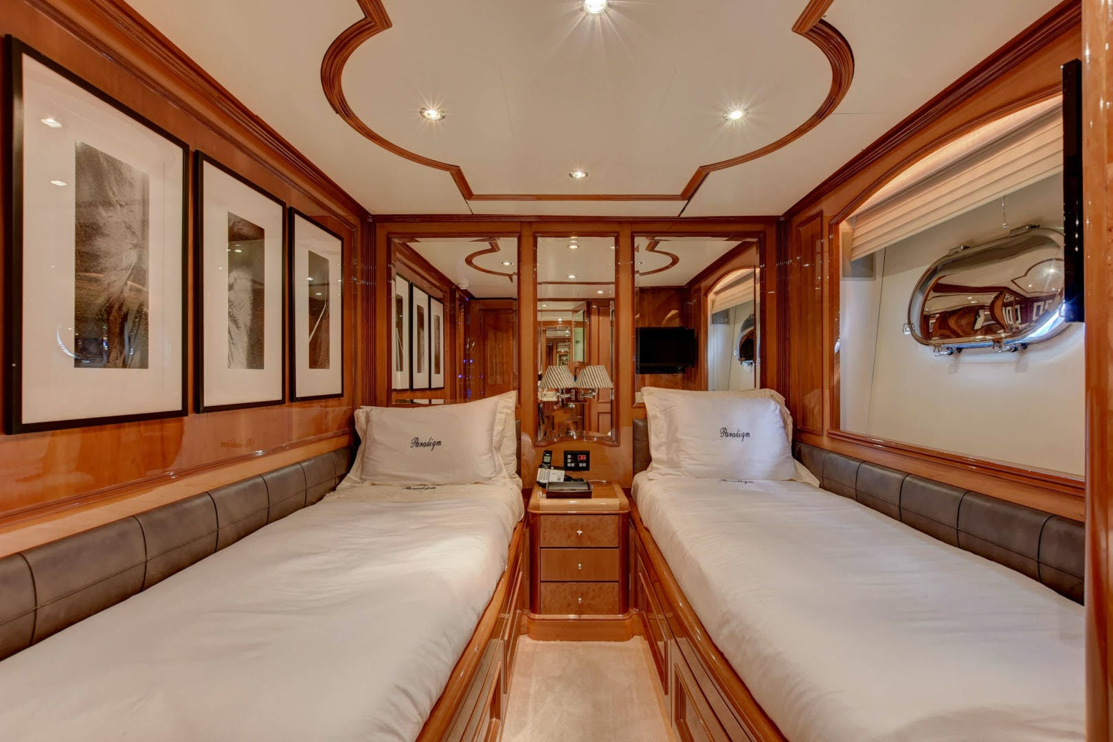 1998 Benetti 115'  PARADIGM | Picture 3 of 30