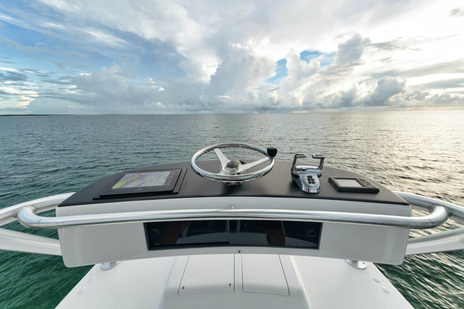 2009 Viking 60' Convertible MOLLIE K | Picture 2 of 57