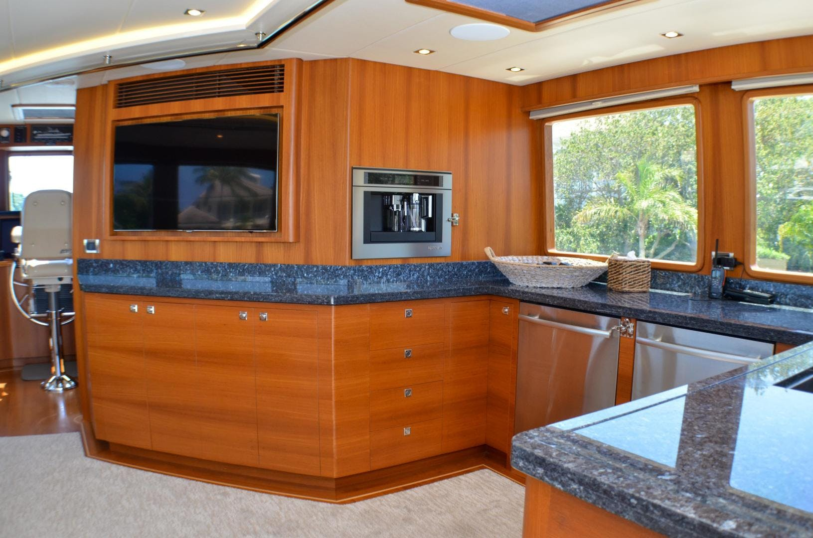 2017 Outer Reef Yachts 86' 860 DBMY Simon Says | Picture 6 of 109