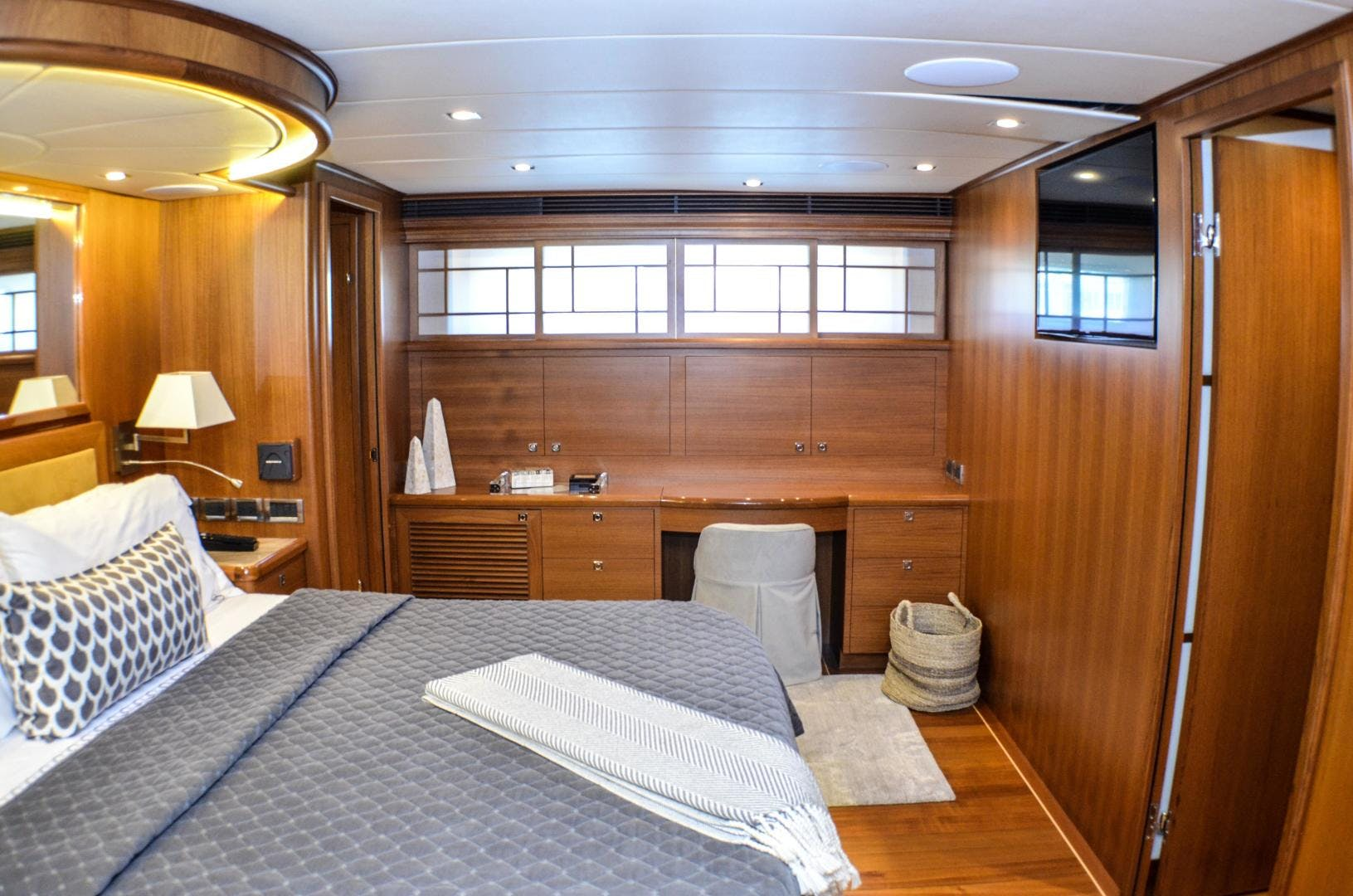 2017 Outer Reef Yachts 86' 860 DBMY Simon Says | Picture 4 of 109