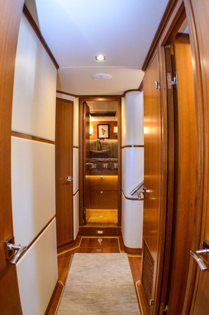 2017 Outer Reef Yachts 86' 860 DBMY Simon Says | Picture 8 of 109