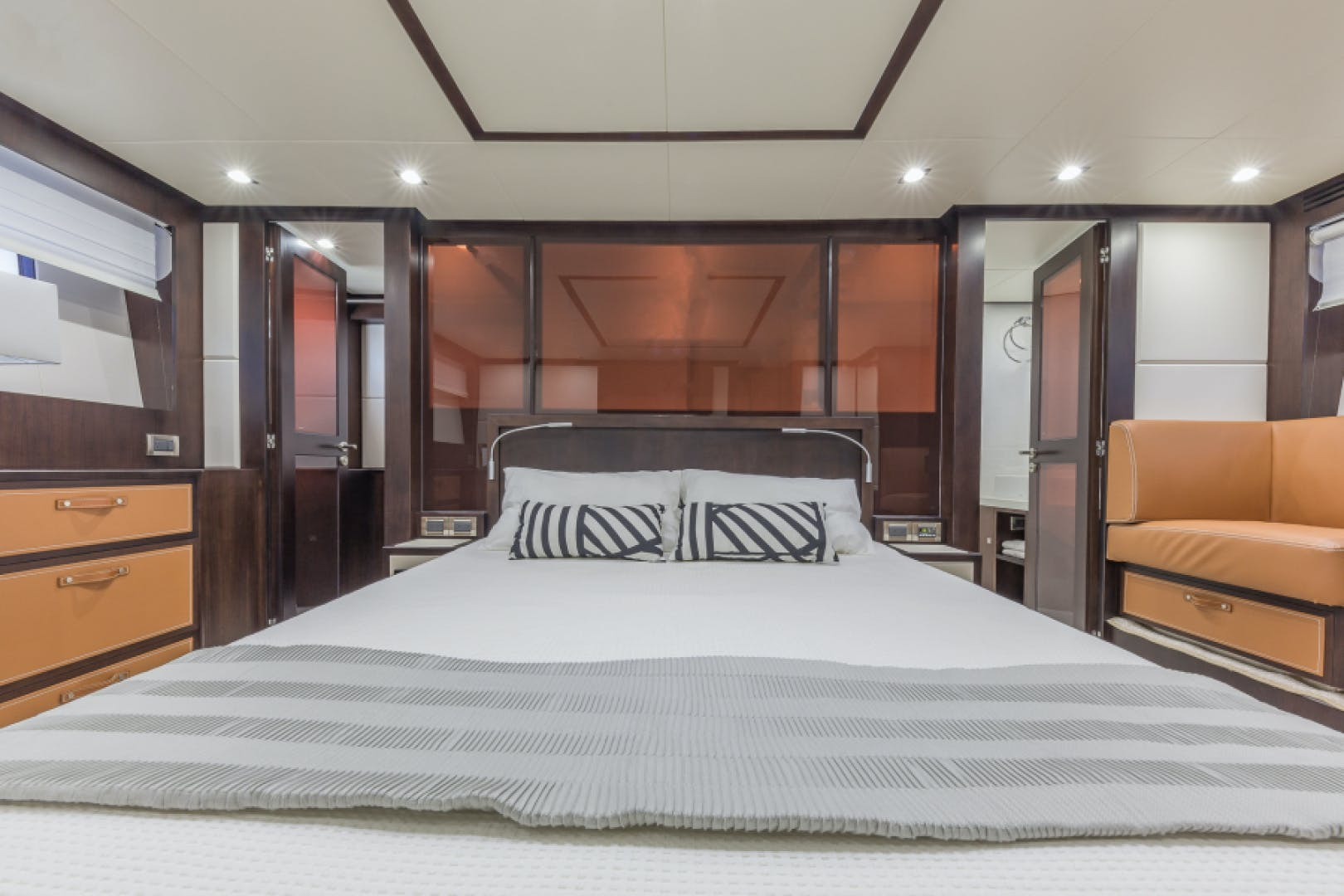 2021 Dyna Yachts 68' 68 Skylounge    Picture 5 of 46