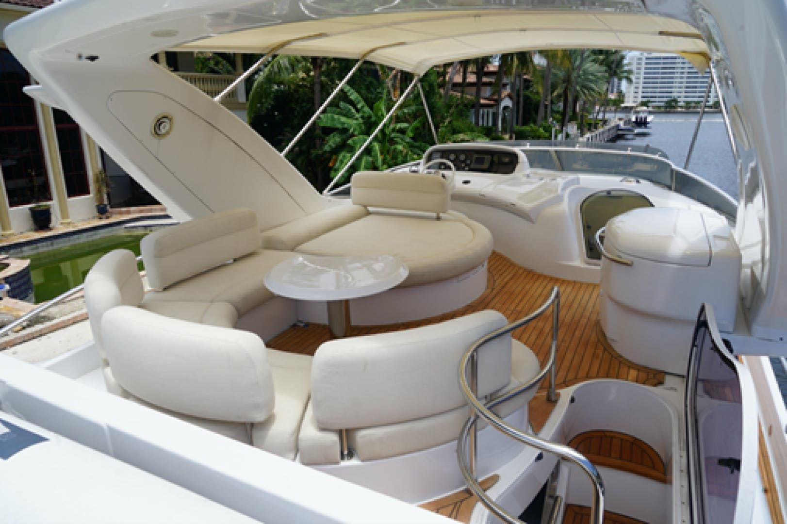 2005 Azimut 68'  EUROPA | Picture 4 of 11